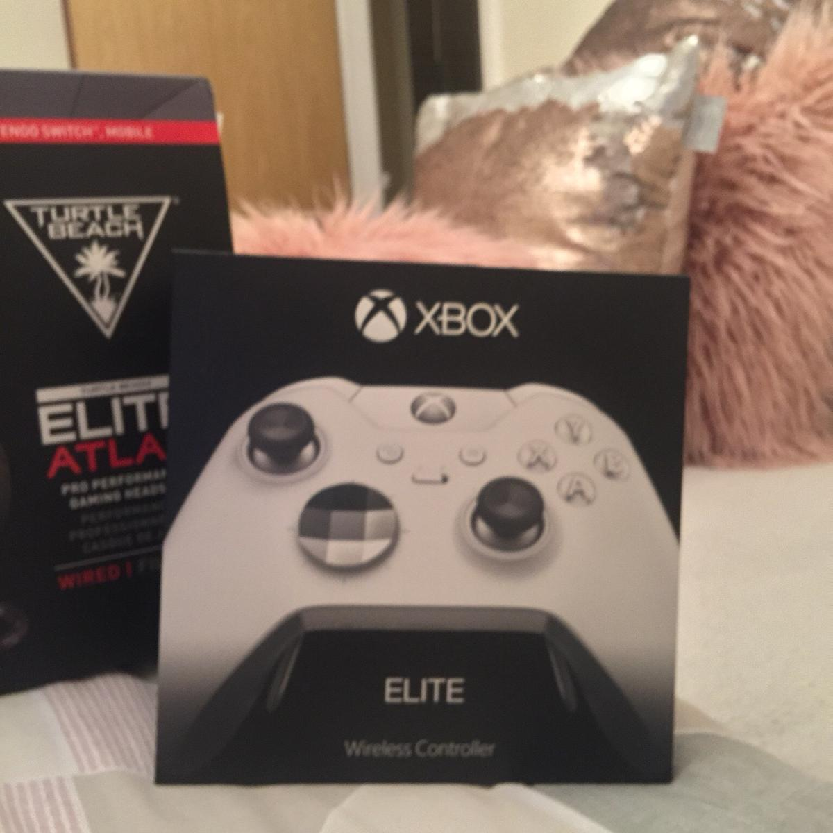 Xbox one x, elite controller, turtle beach in Flint for