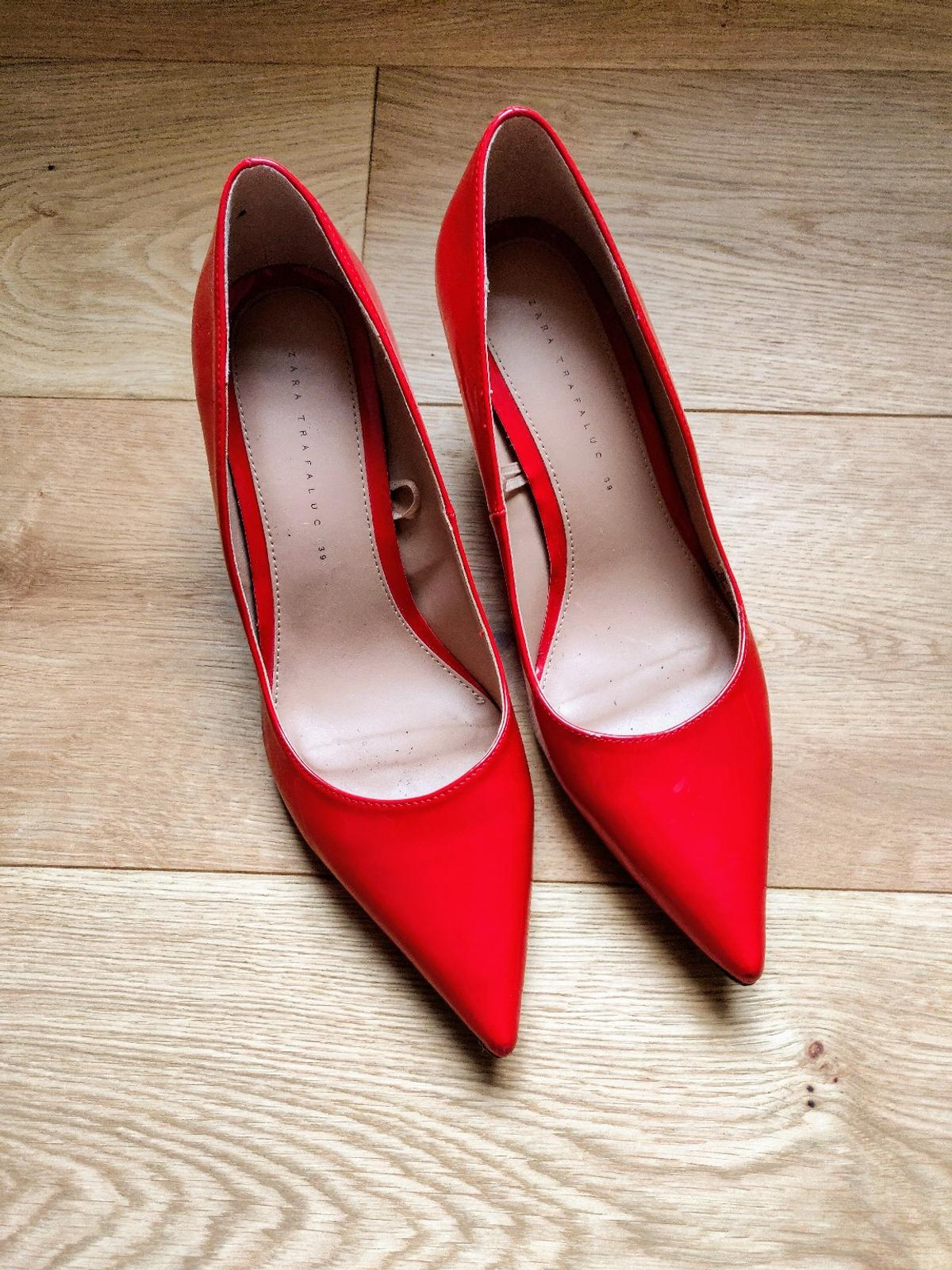 18bddbe9613 Zara red heel shoes Size 6