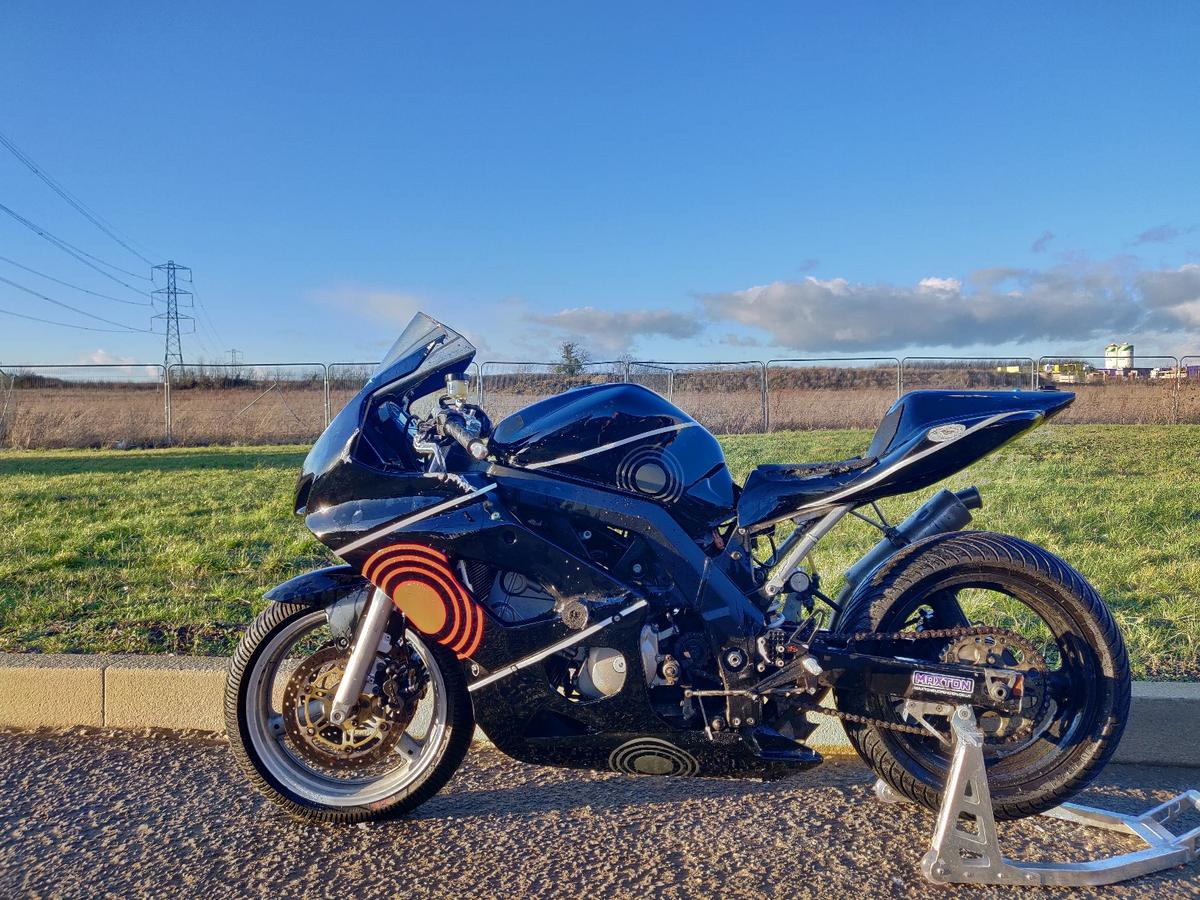 Sv650 Trackbike Racebike Minitwin In Aylesbury Vale For 1 999 00 For Sale Shpock