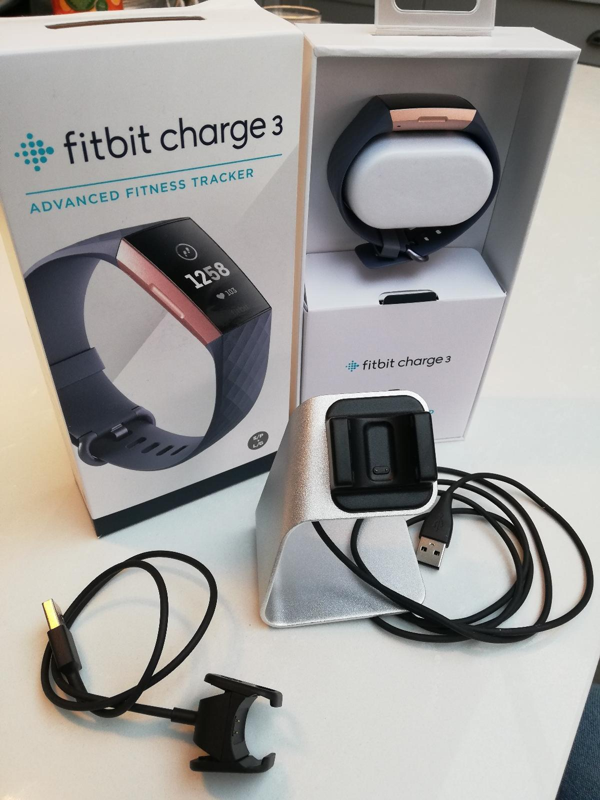 Fitbit Charge 3 Rose gold/Blue grey in TW2 London for