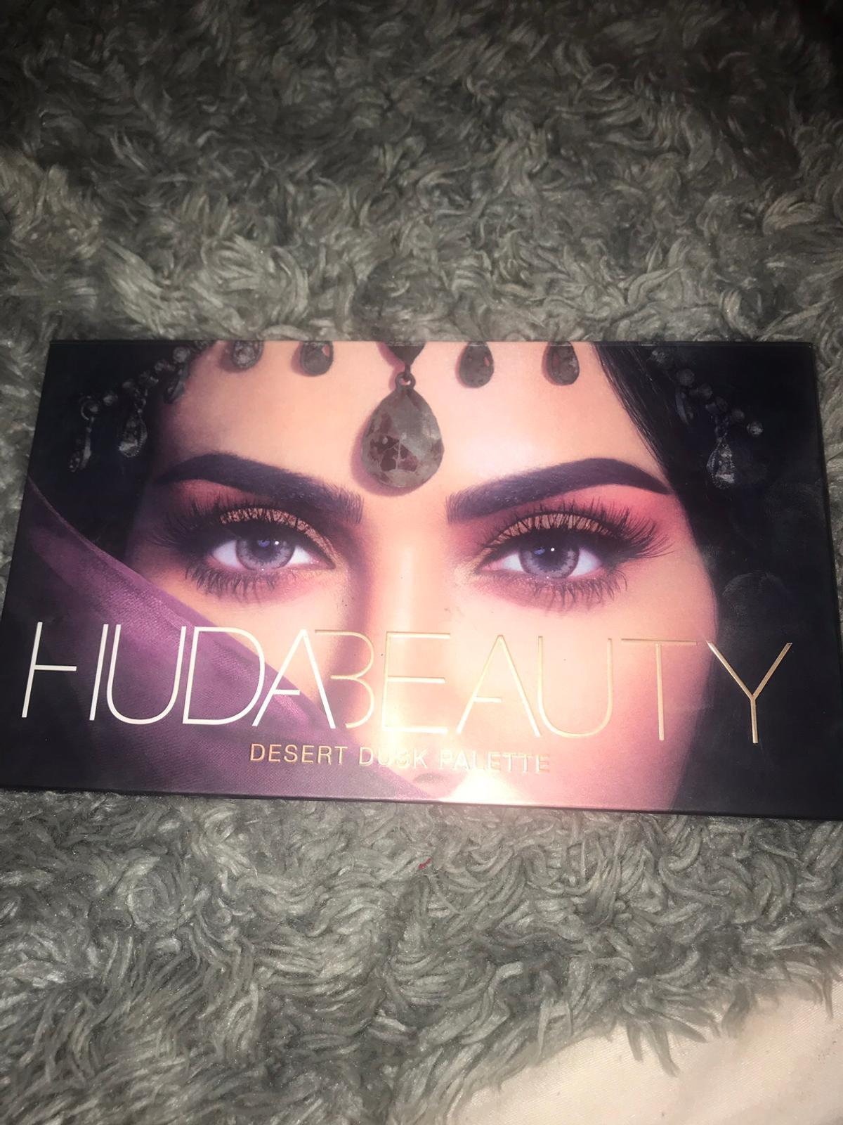 Huda Beauty Palette In Newfield For 30 00 For Sale Shpock