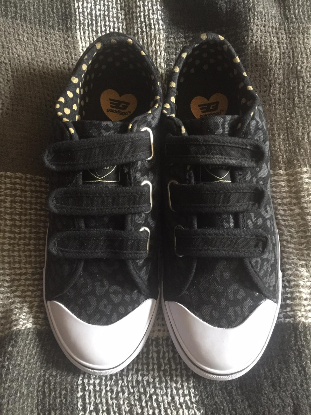 Adidas Ladies Trainers Size Uk 6 Size 39 For Sale in Swords