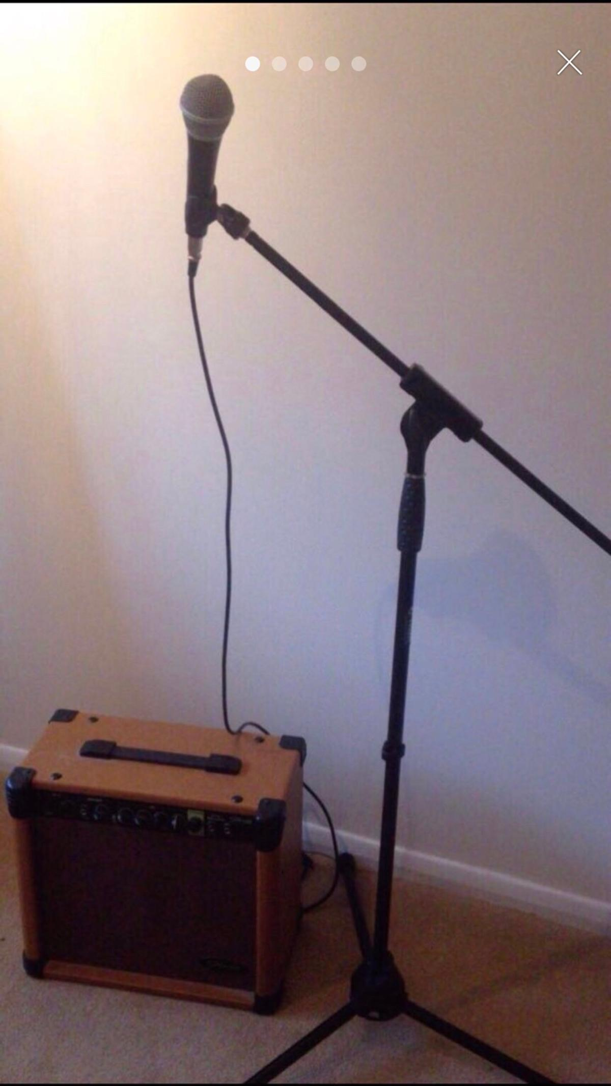 Microphone and amp set up