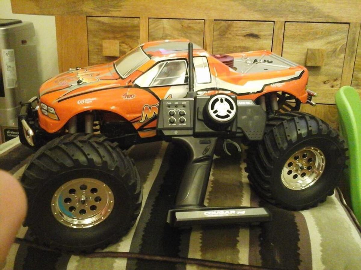 Thunder tiger mta4 nitro car
