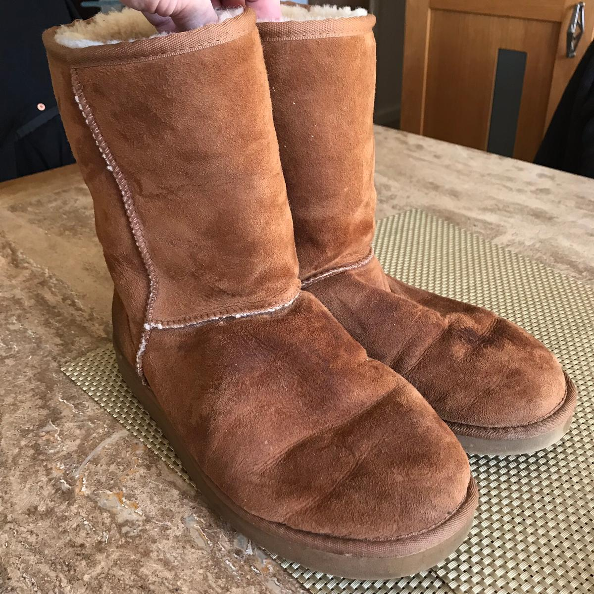 fddfef90799 UGG Boots Ladies Size 9/10