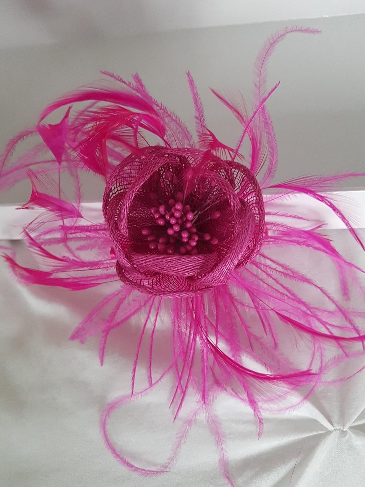 a1f67c3d fascinator-bright cerise pink in CH66 Port for £4.00 for sale - Shpock