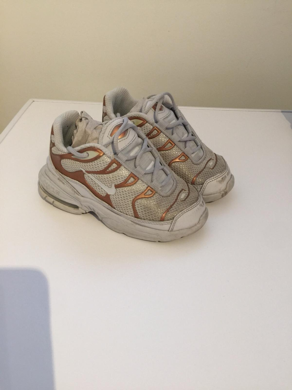 the latest 006a2 8d328 Infant Nike Tn's trainers