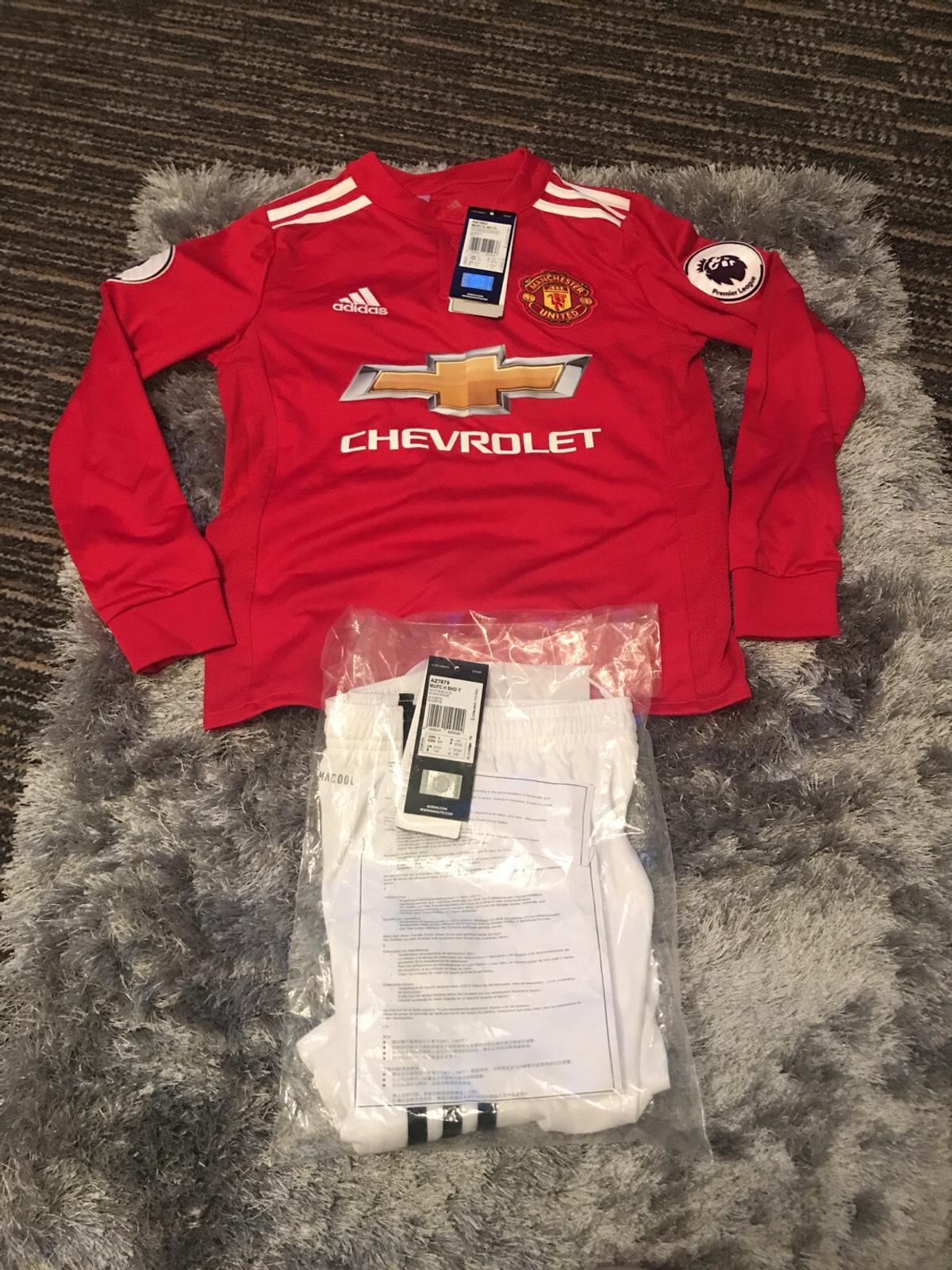 newest b2ca1 2db26 Manchester United long sleeved kids home kit in WR3 ...
