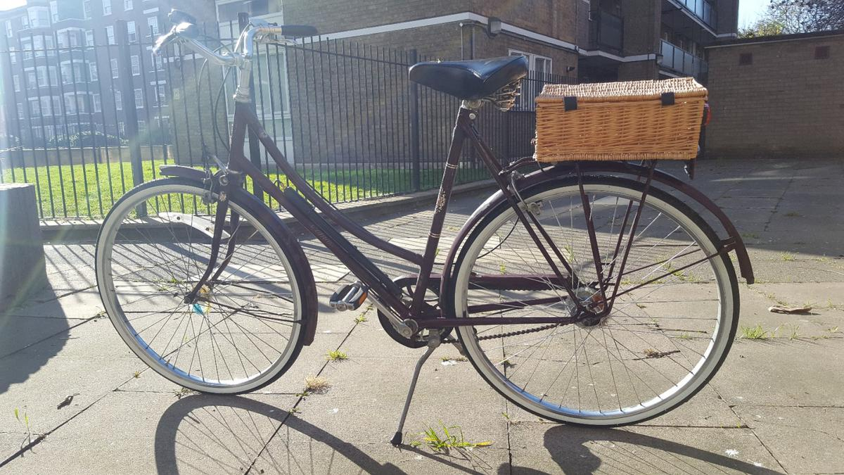 Raleigh CAMEO REFURBISHED vintage Retro Bike in W12 Fulham for