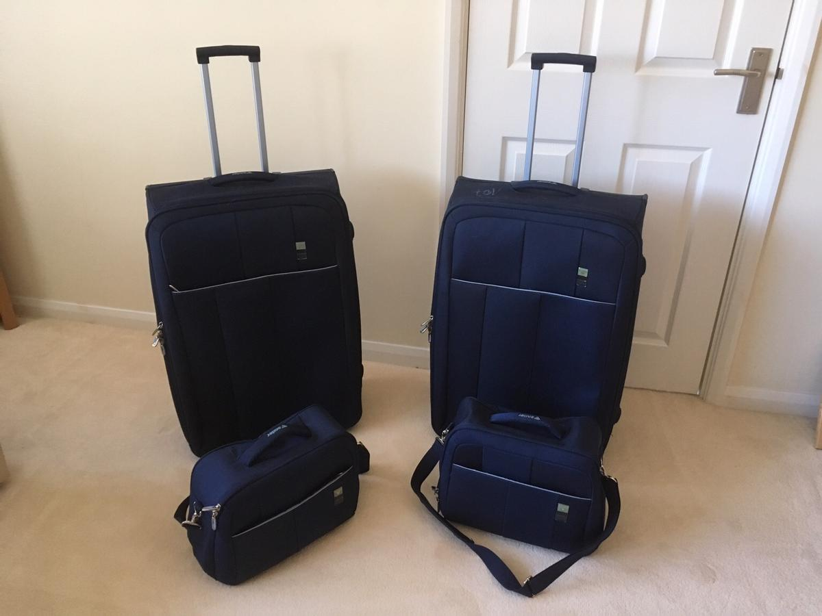 great discount for soft and light agreatvarietyofmodels Suitcases