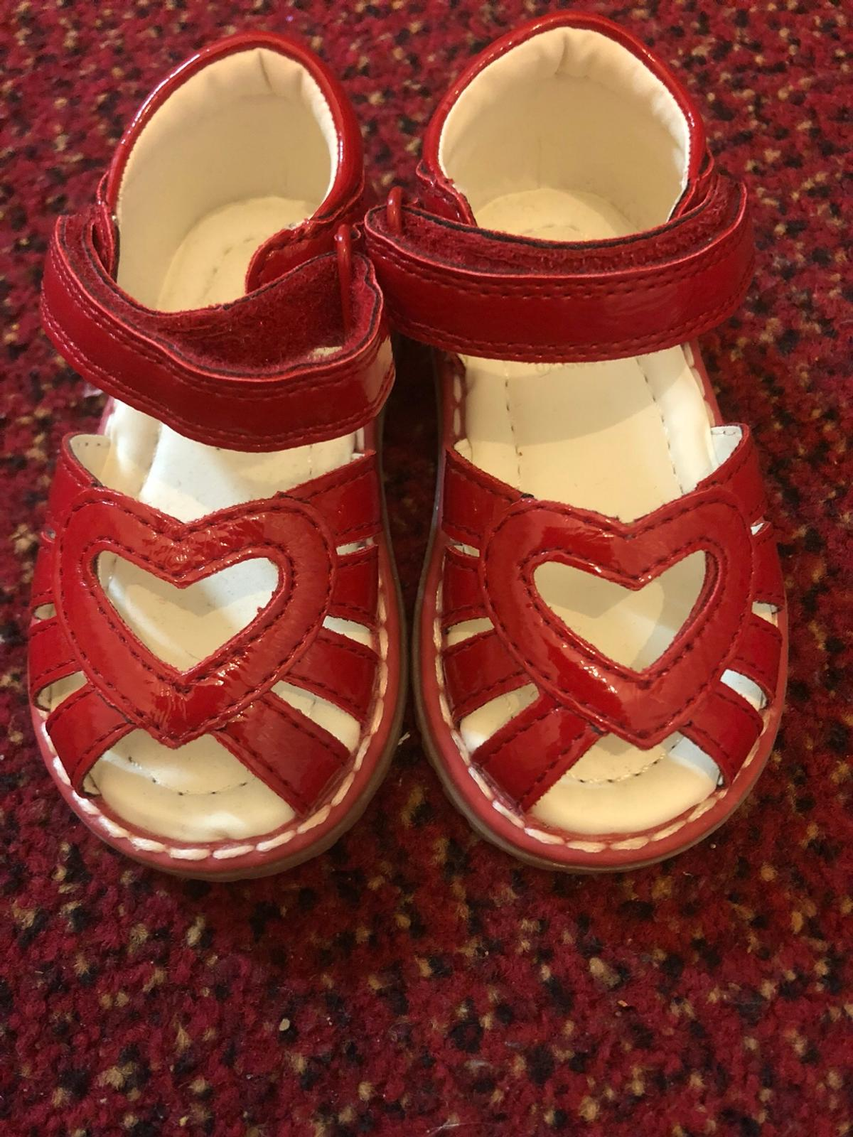 Never been worn, from mothercare Size: 3/19