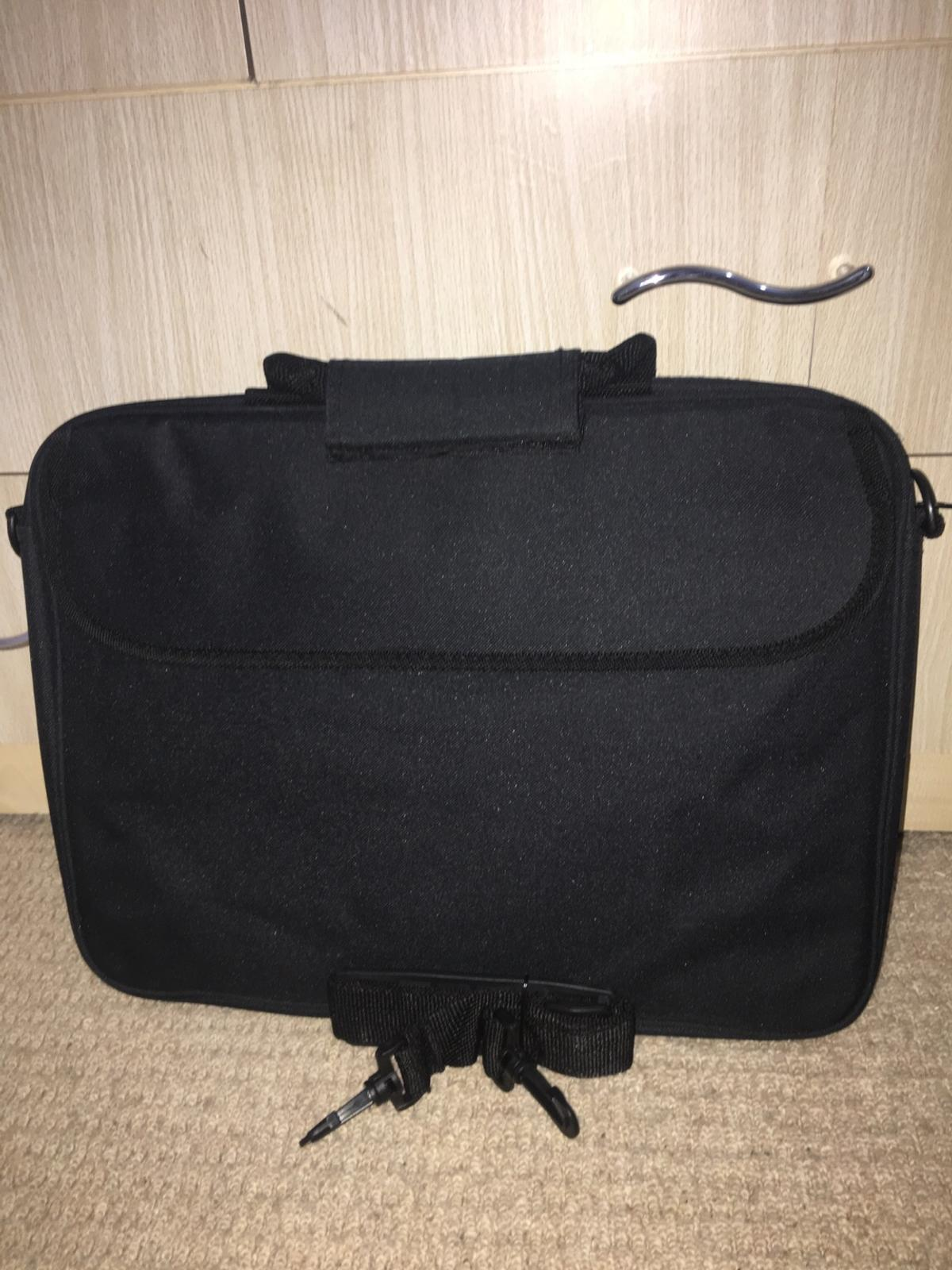 excellent condition comes with an extendable strap