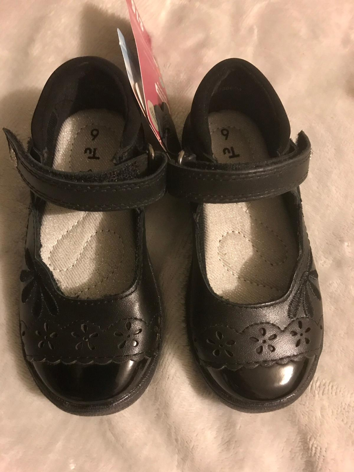 Black real leather girls shoes, size 6, new with tags. Scruff resistant Memory foam lining Postage available at cost to buyer. Please message with any questions.
