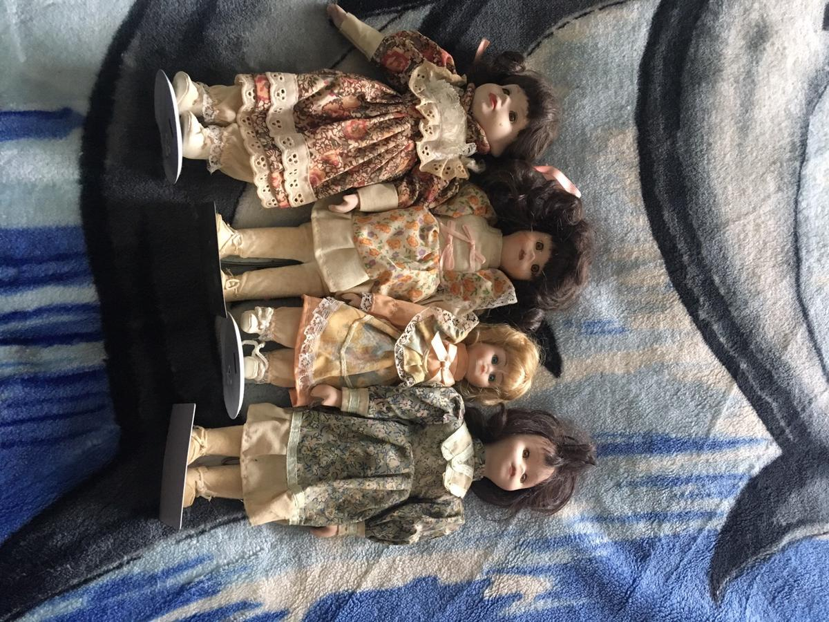 Porcelain dolls £2 each or 6 for £10 will consider offers