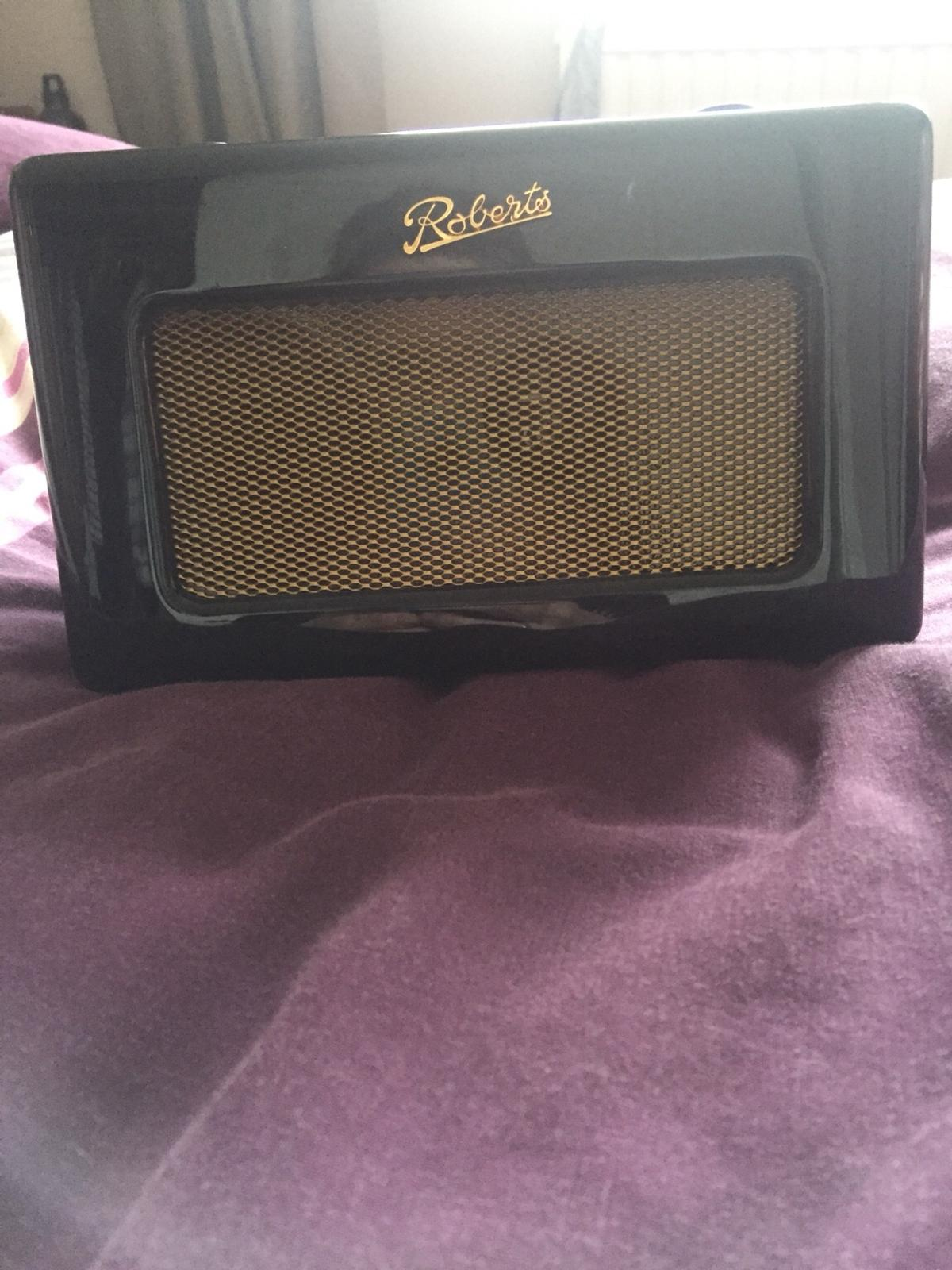 Roberts dab radio excellent condition battery or main operated