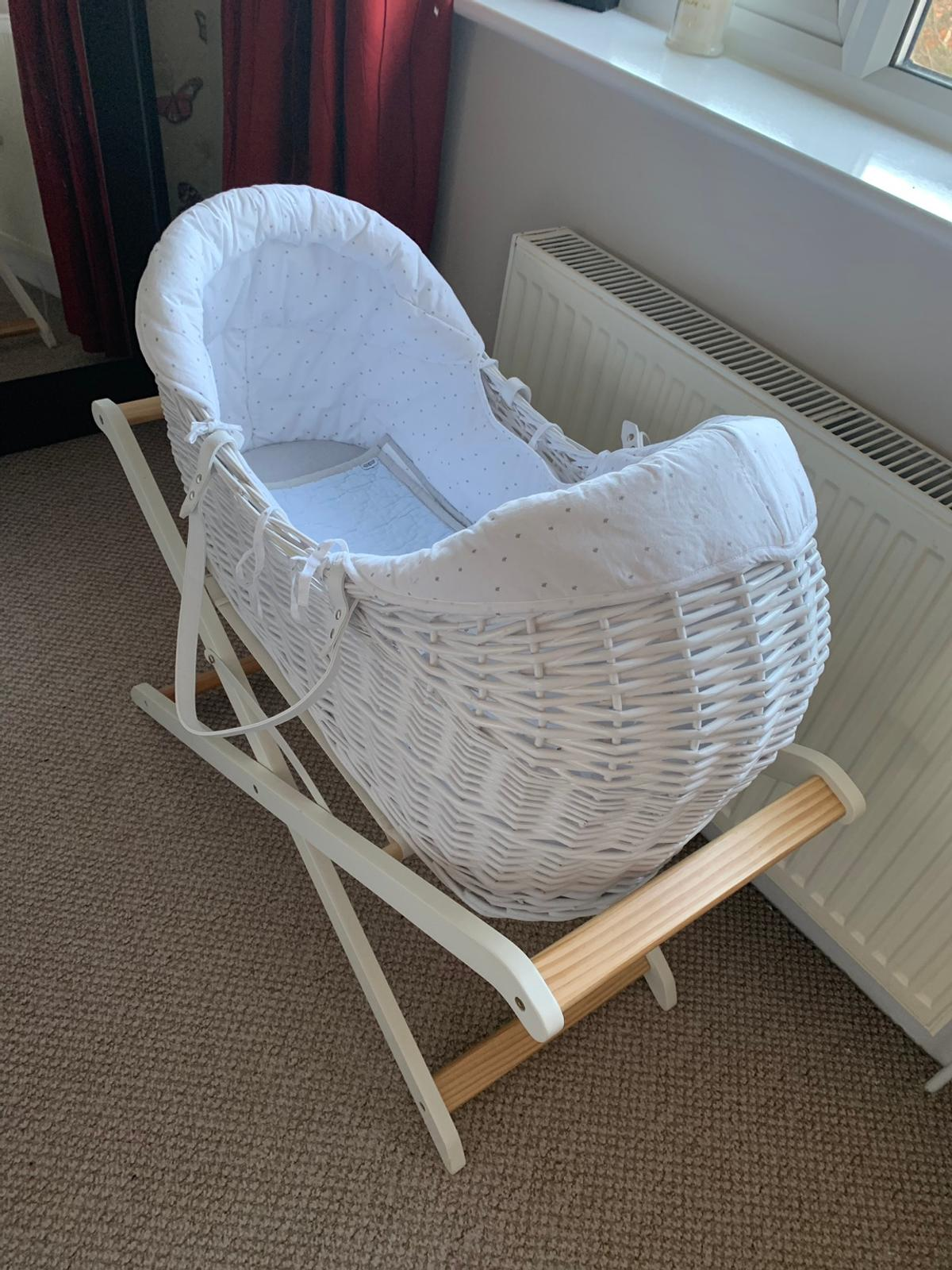 Moses basket used but still in very good condition Collection only from Canvey