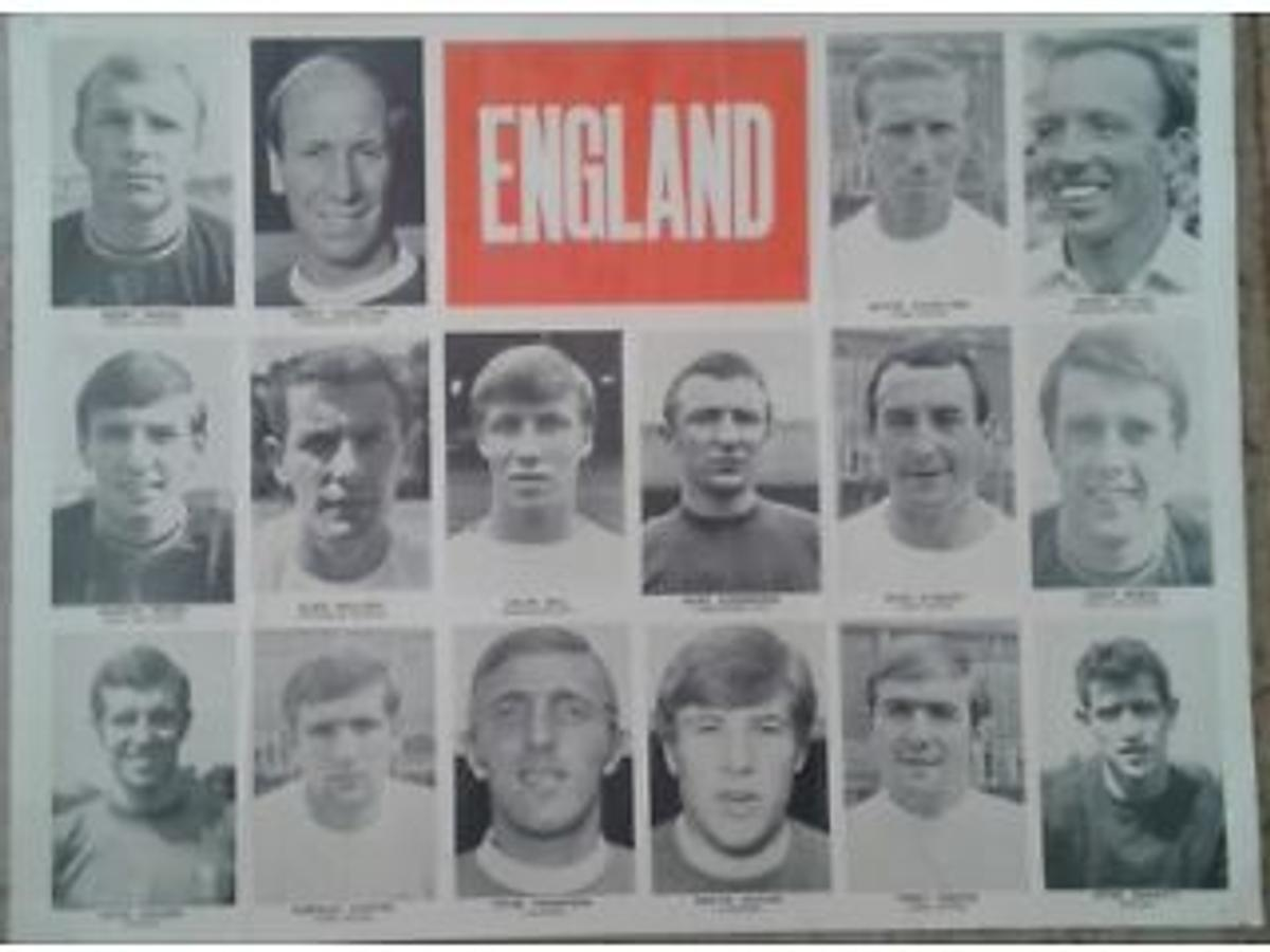 England poster 1960's. Players include Bobby Moore, Bobby Charlton, Geoff Hurst, Emlyn Hughes etc. Measures 60,5 x 46 cms, Some signs if wear and tear