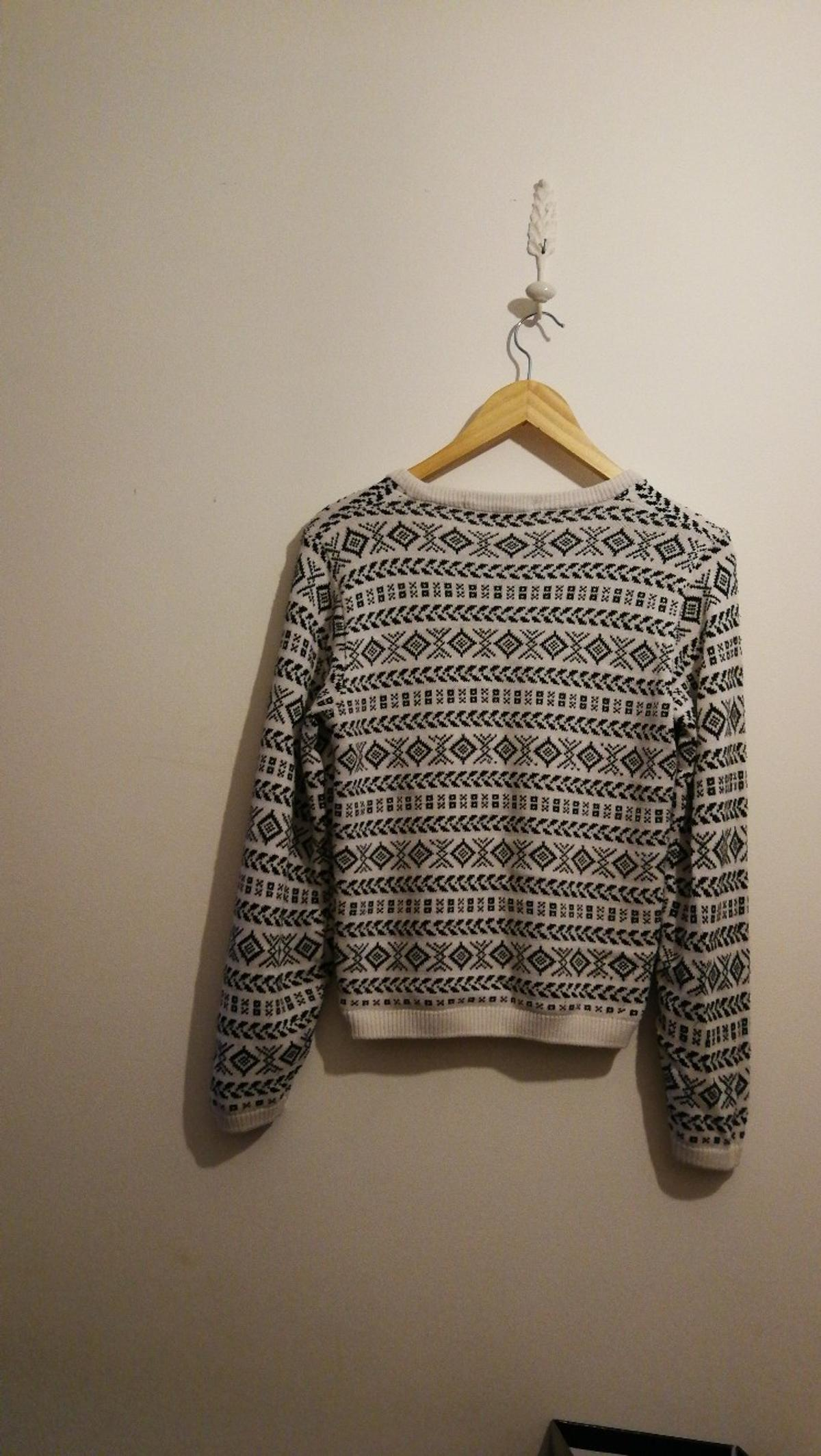 Wonderful vintage jumper from M&S.  Selling as too small.