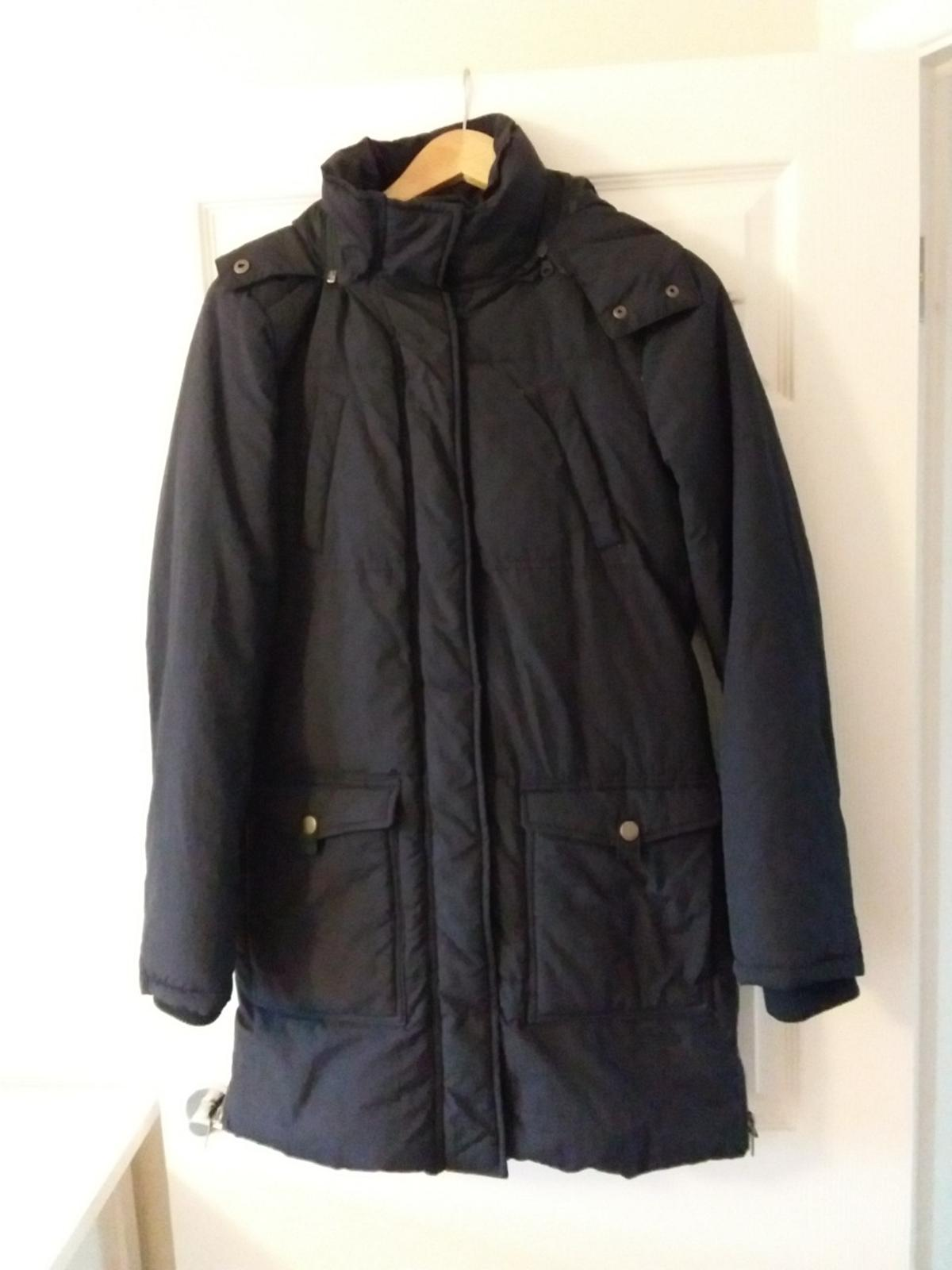 Winter coat in dark blue size 38 EU Collection in Reading with cash payment