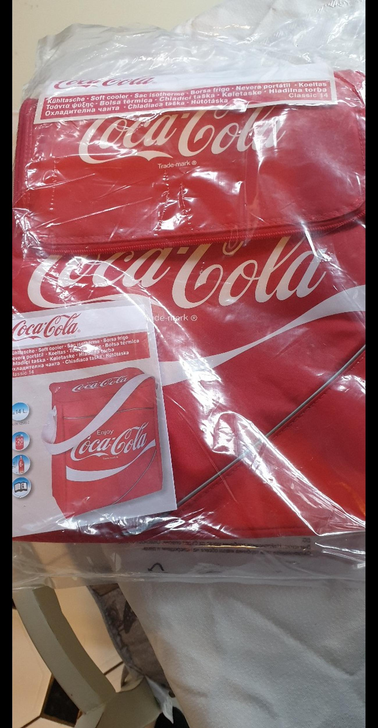 Brand new cool bag in its wrapper. With tags on. Collection only.