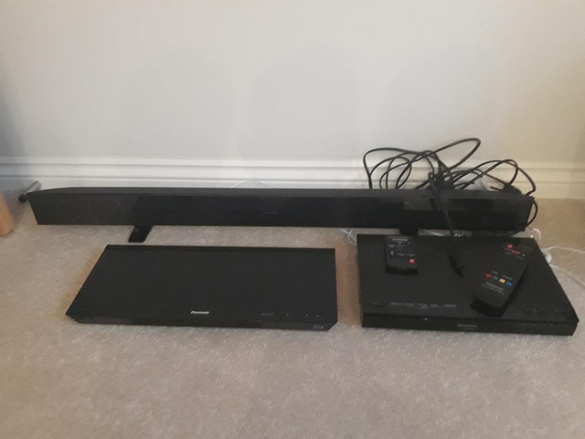 Panasonic SU-HTB550 Audio 2.1 soundsystem with soundbars and subwoofer Panasonic DMP-BDT320 Blue Ray Player Can been seen working This system has hardly been used as it was a Bedroom system
