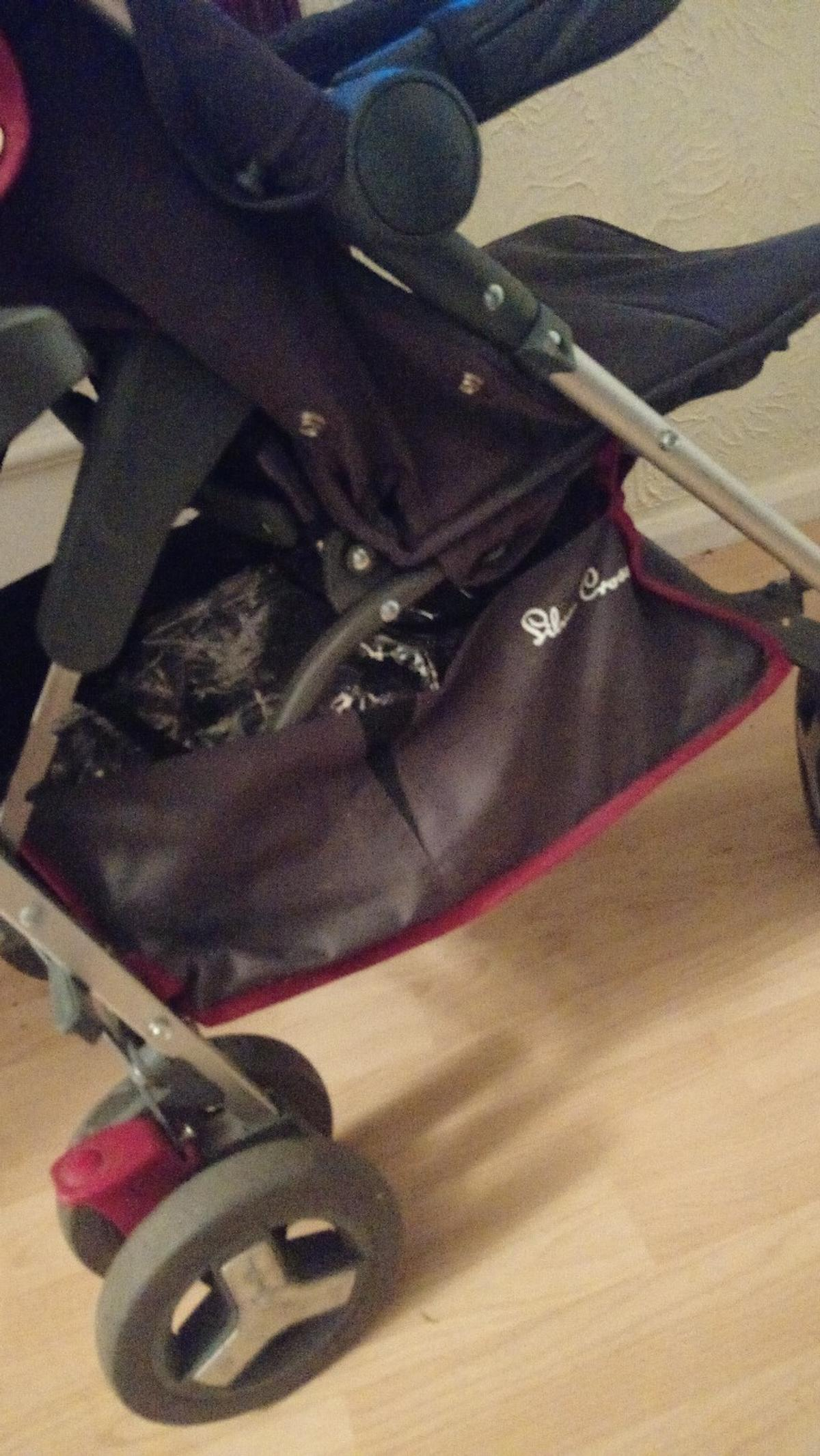 Used as a second pram so is in fantastic condition
