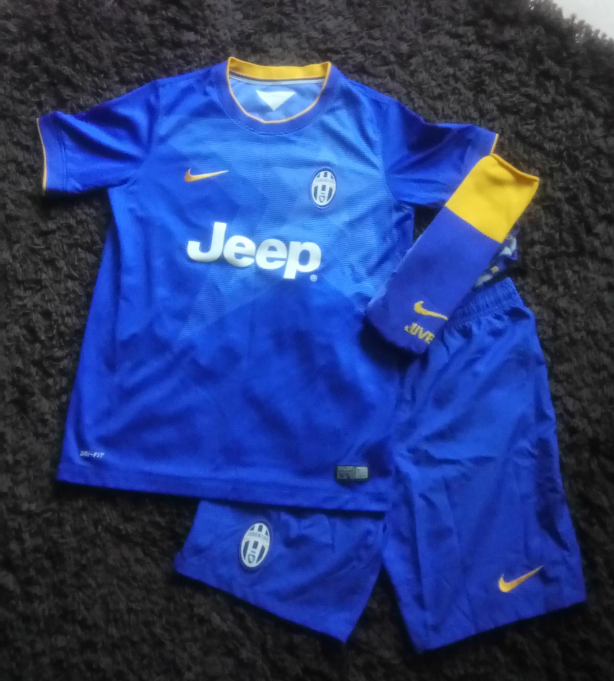 best loved 96536 819e9 Juventus football kit
