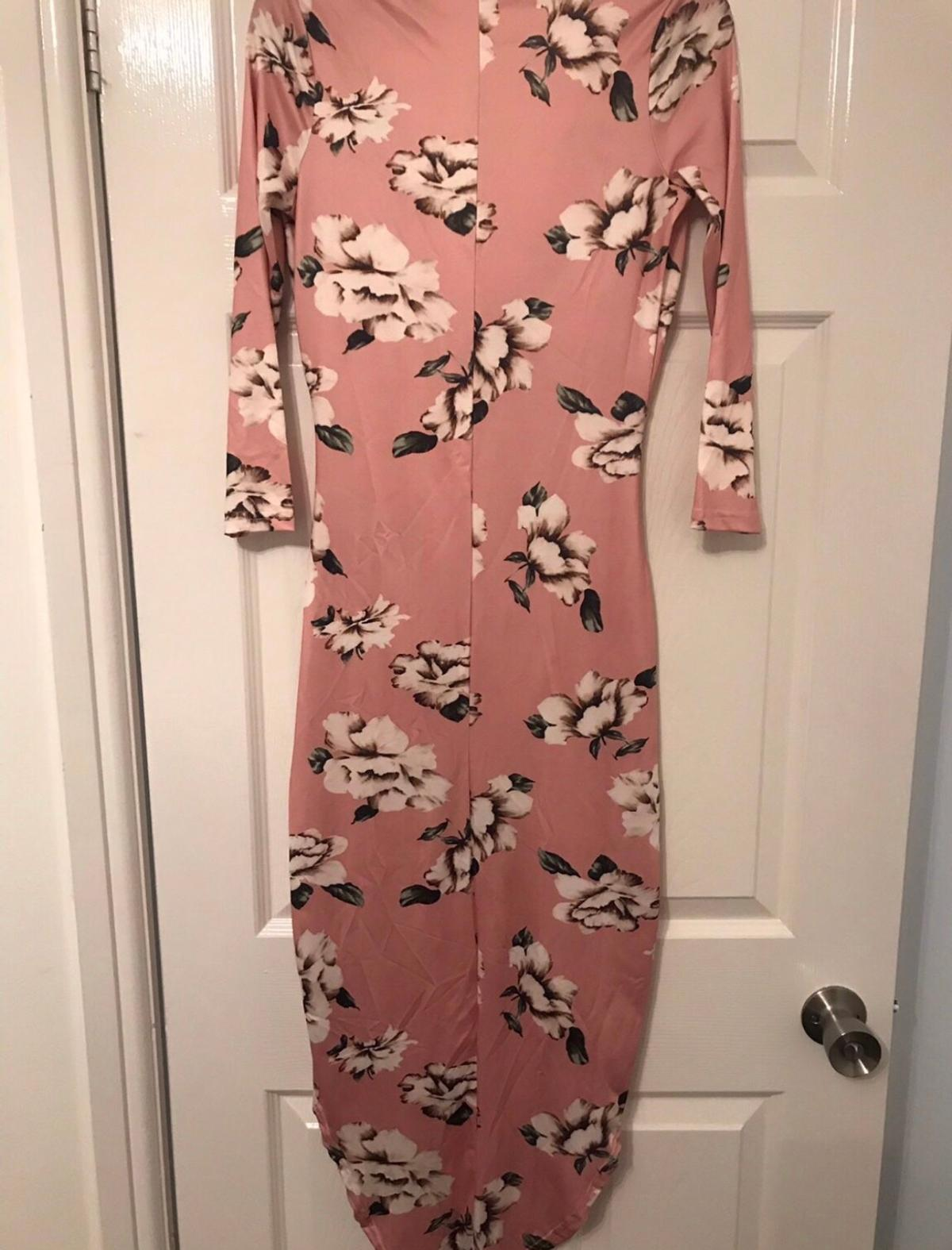 Size M Vneck, sleeves Ideal for several occasions- very elegant Never worn Comes in package  Pls message any questions  Ignore- Missguided Pretty Little Thing Asos Boohoo New Look Topshop RIver island Nasygal Misspap