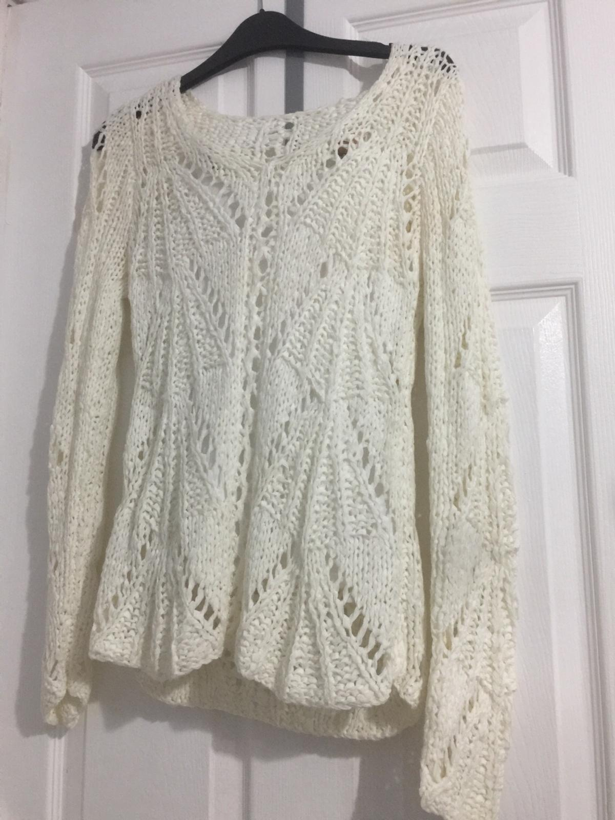 Lovely top Never worn From pet and smoke free home