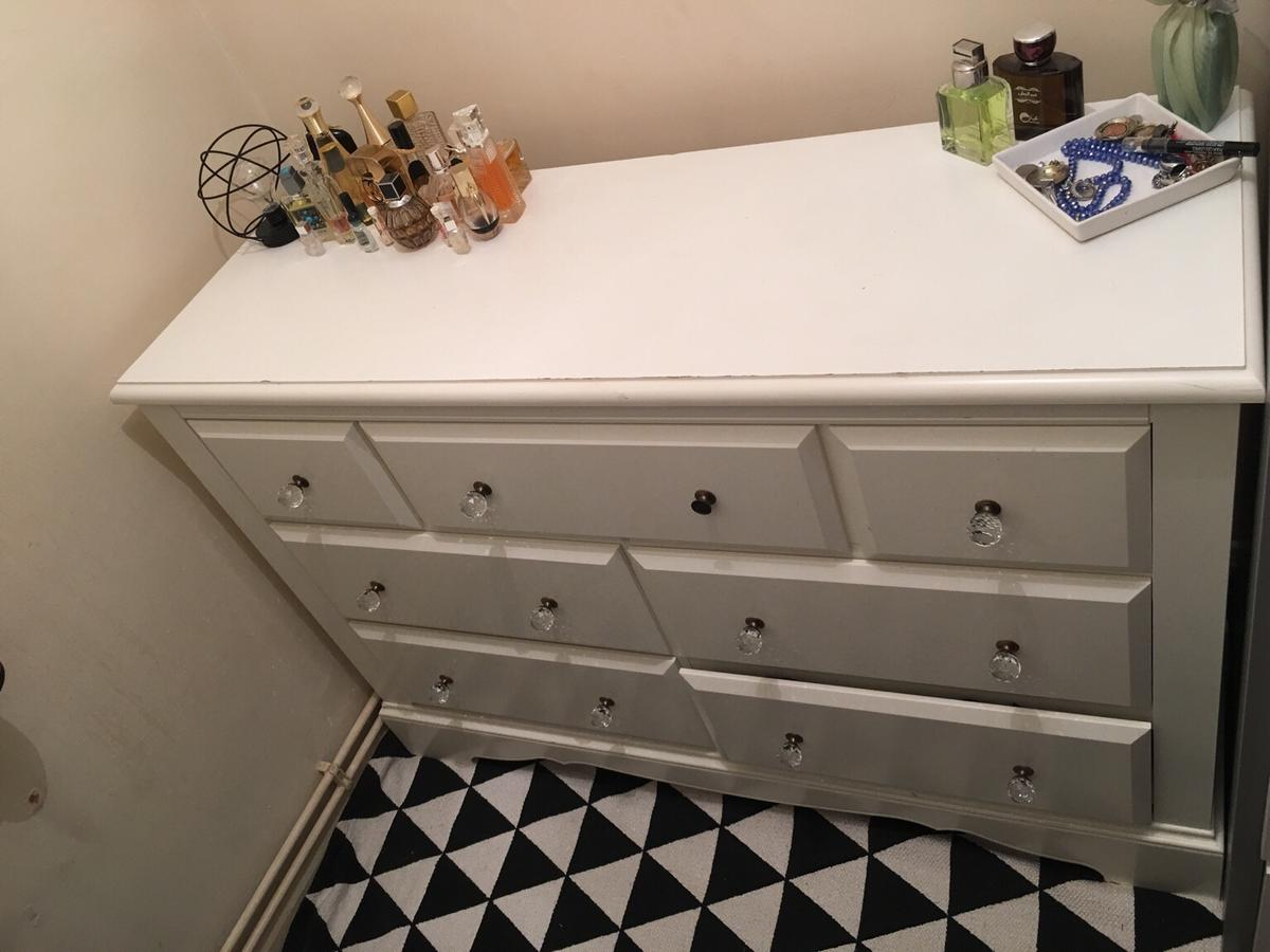 Wide chest of drawers from Next with one missing nob in a fairly good condition.  Price can be negotiable.