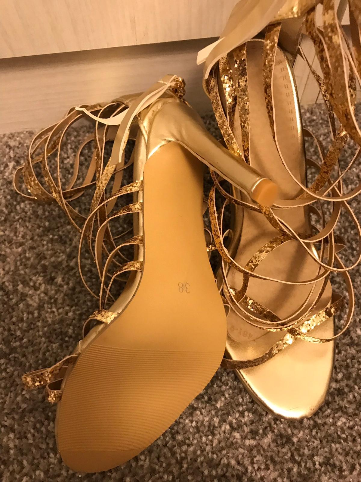 Lovely brand new strap shoes brand new size 5 pick up only