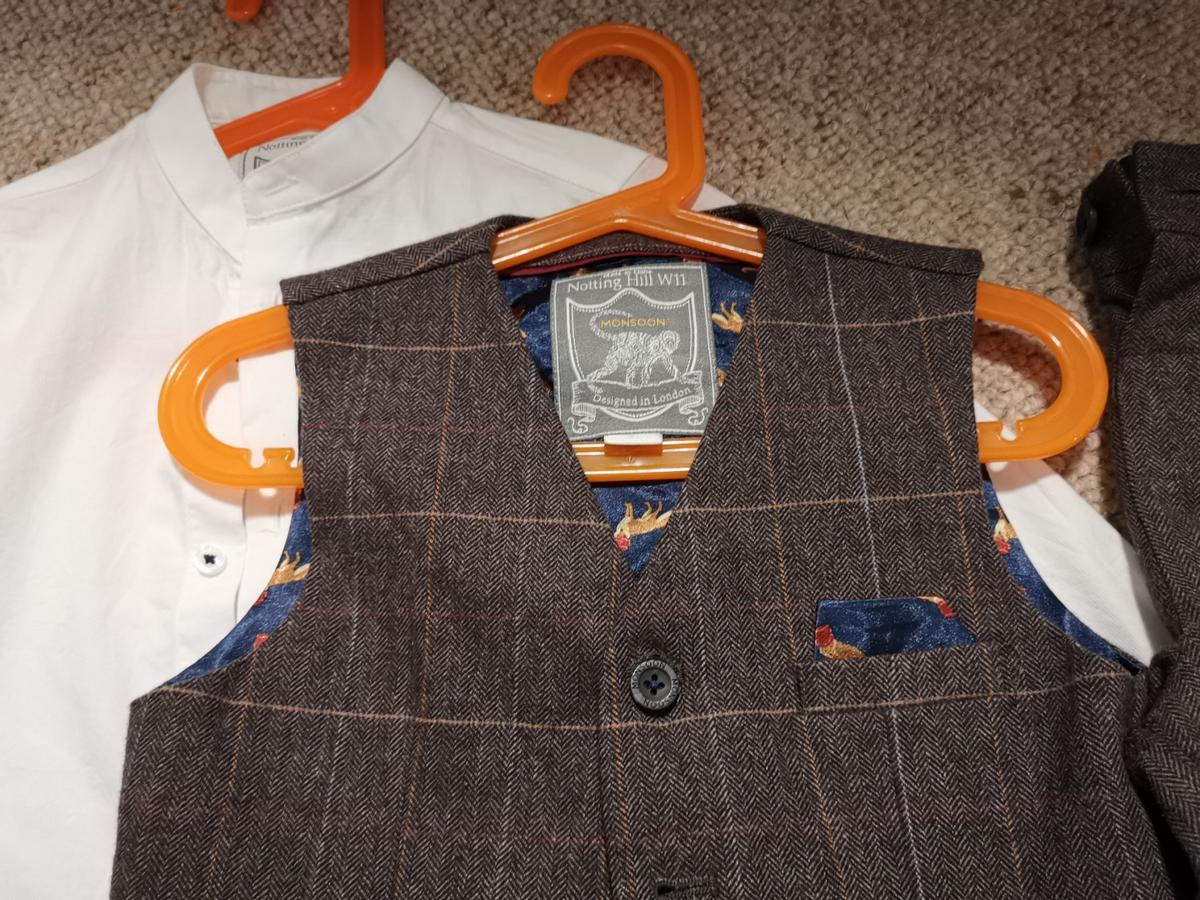 Monsoon suit White shirt size 5 Tweed waistcoat size 5 Tweed trousers size 5  Warn a couple of times, great condition