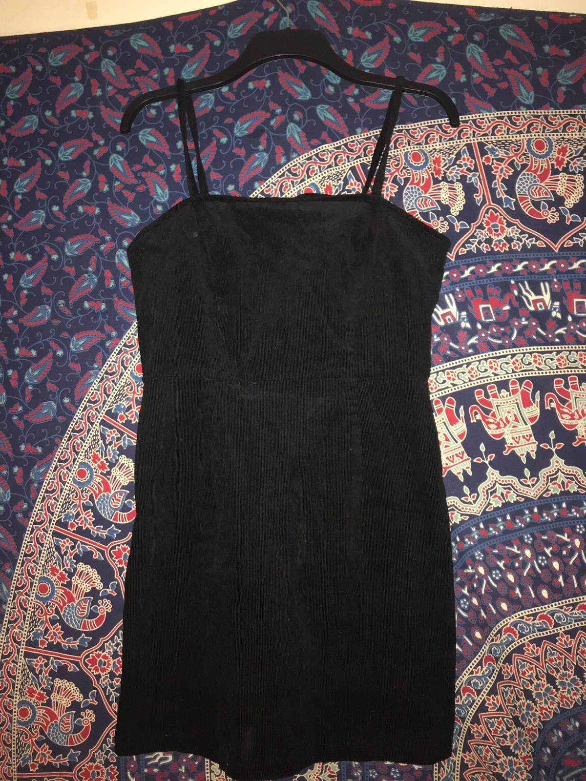 Lovely mini dress Too big for me hence why I'm selling Never worn