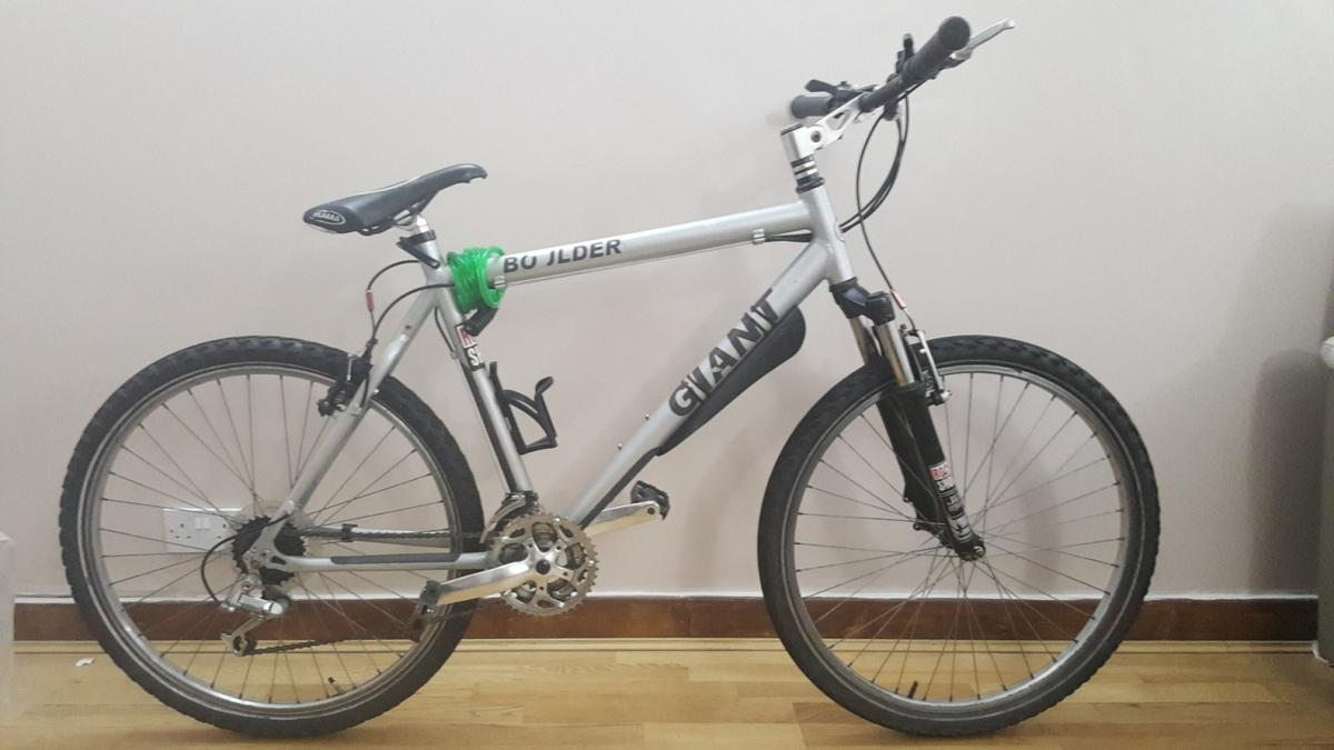 men's giant bike brakes and all gears work OPEN TO OFFERS!!