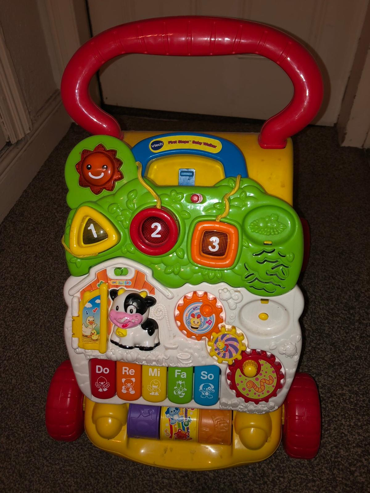 vetech baby push along toy in wxcelkent condition The telephone is lost to it