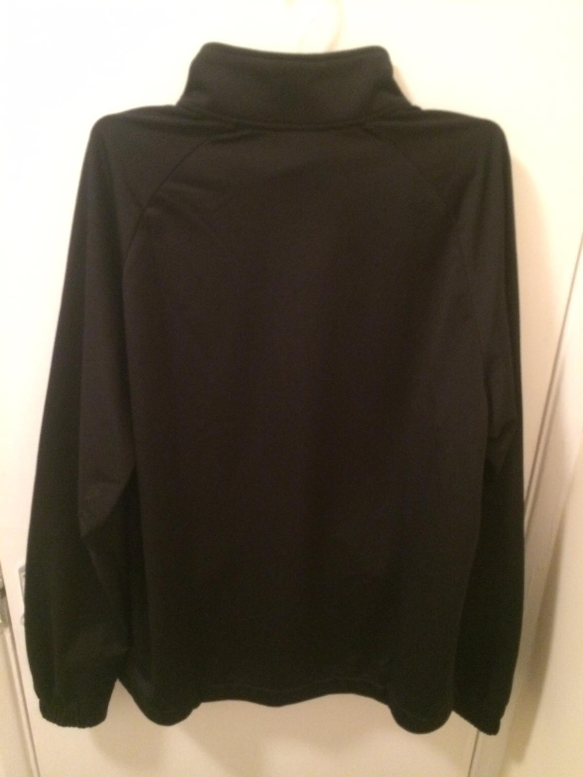 Never worn, perfect condition. Size Large. Tag still on but no receipt. Open to offers..