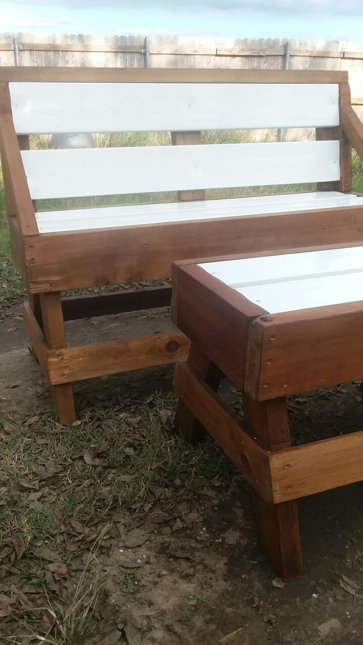 Farm style homemade cedar bench and table. Made from reclaimed cedar and has white vynl inserts. 140$ obo
