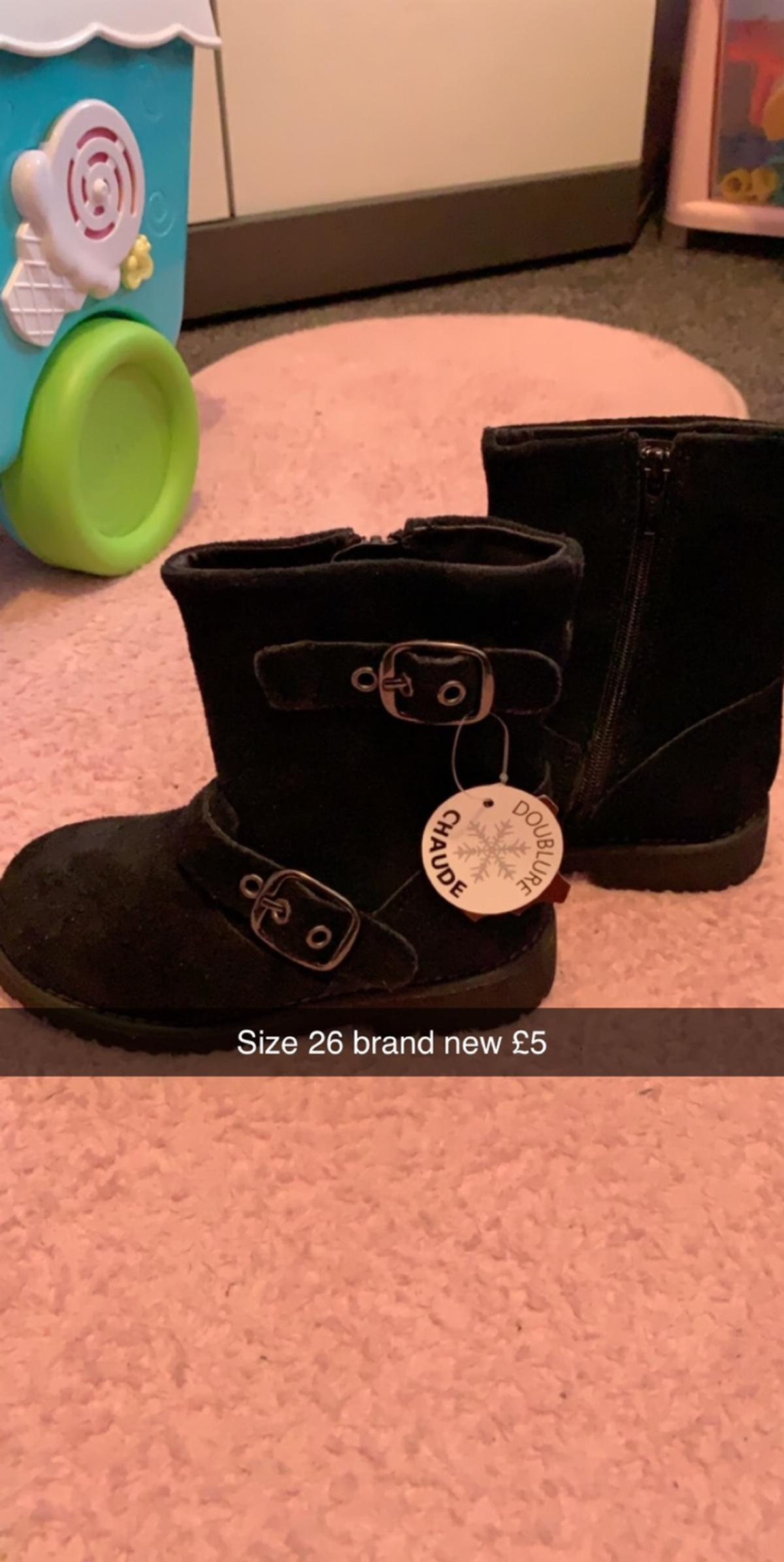 Brand new girls boots size 26