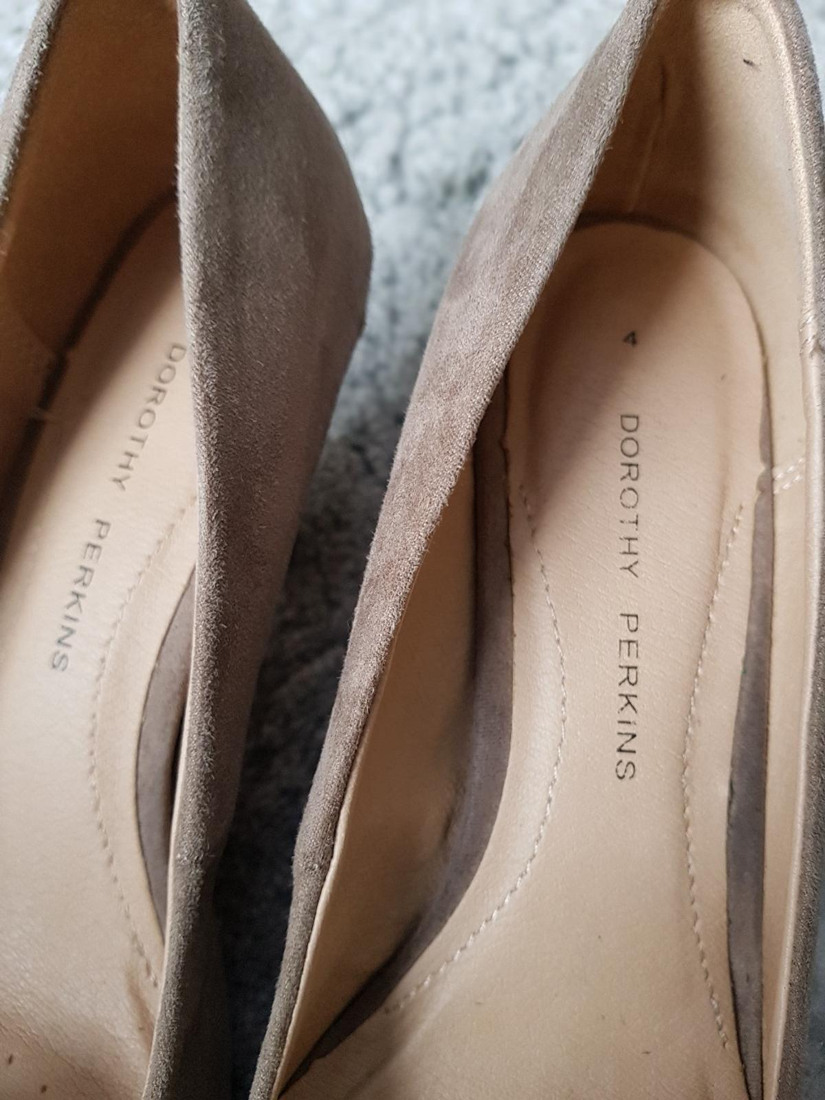 Used only once so in very good condition Size 4 Collection from Birkby Huddersfield