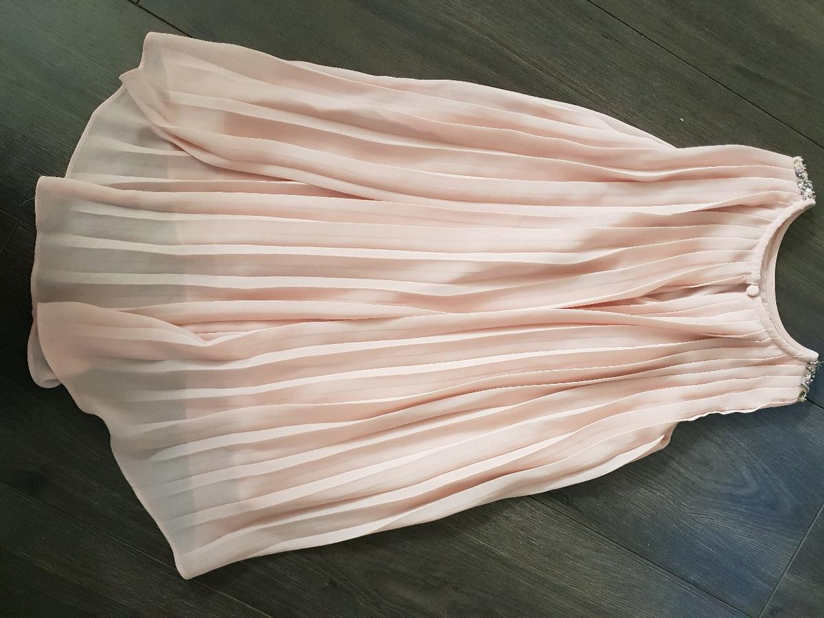 Beautiful dusty pink Next dress/top, detailed round neck as shown in pic, pleated back, Age 4, good used condition from smoke free pet free home