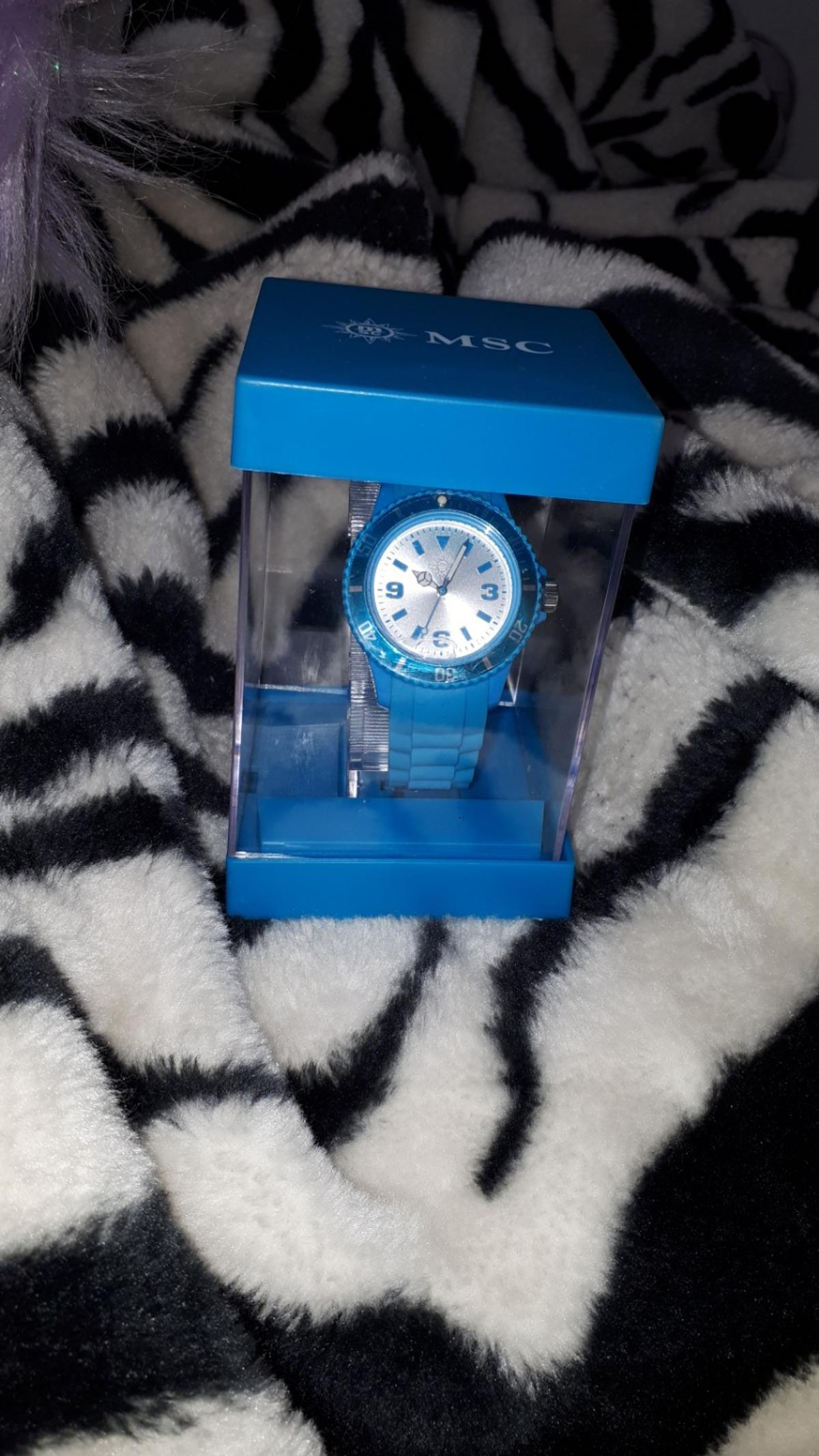 hello everyone you are looking at her MSC brand new cruise watch this is brand new in the box big face beautiful colour collectable