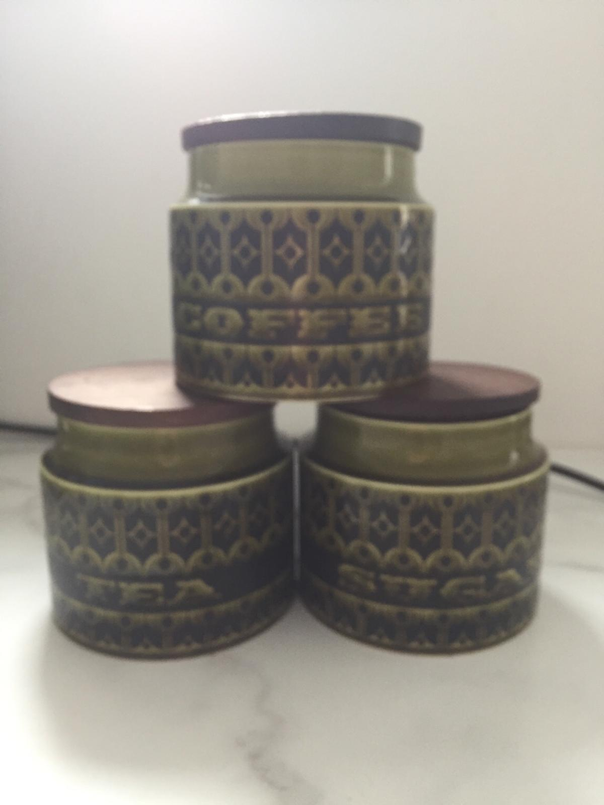 Set of 3 Very good condition No chips All 3 seals in place