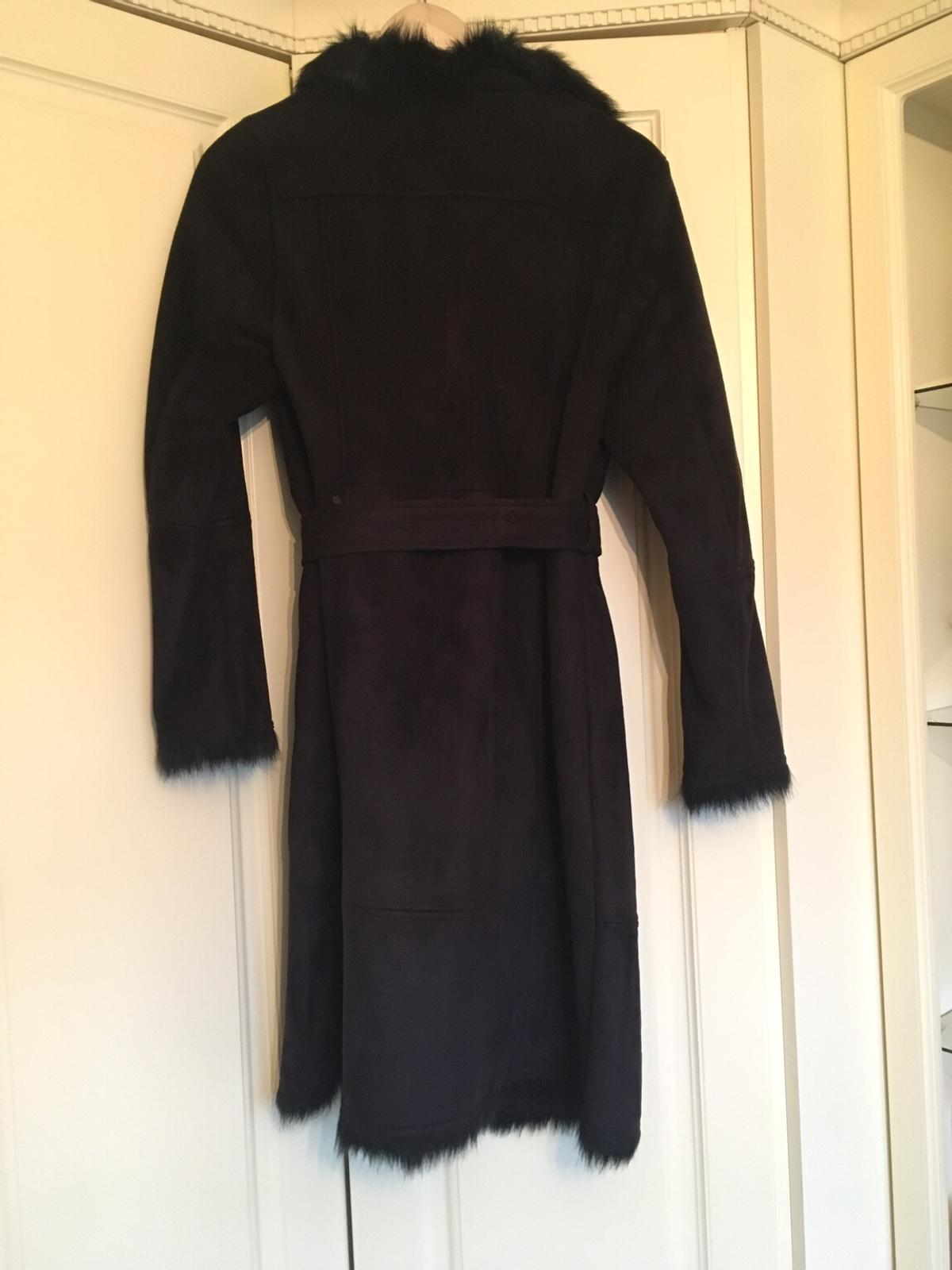Stunning suede&fur black coat Marks&Spencers Size 10. Original price £119 now selling for amazing £55! Only warn once. This will go fast. Pick up only please.