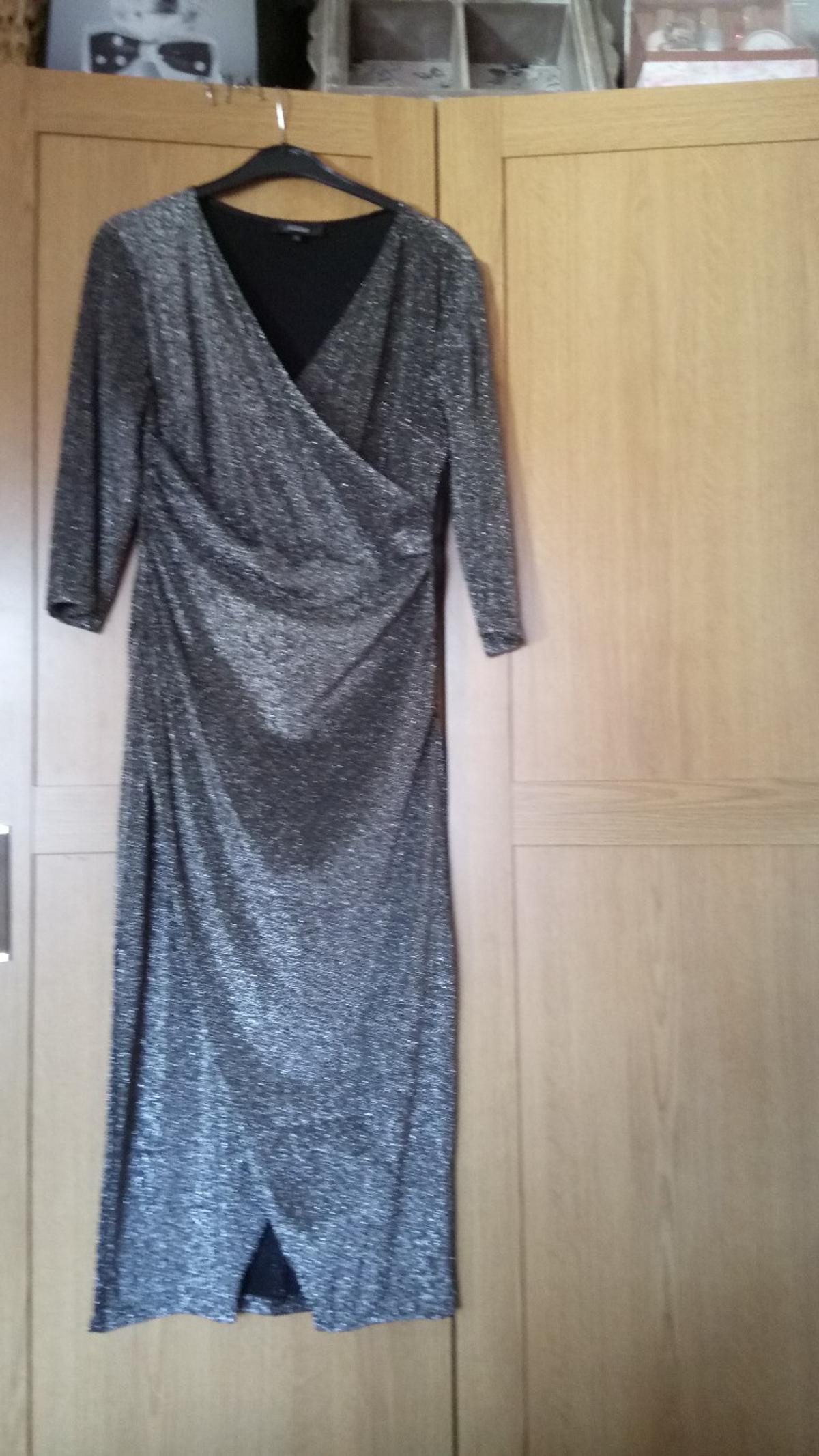 Size m very flattering on the tummy area