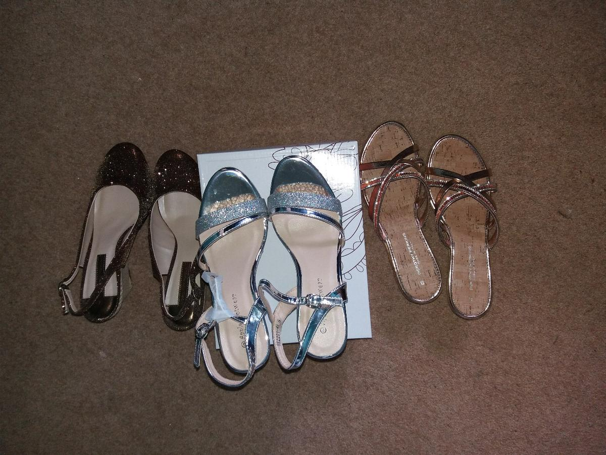 Brand New! Never worn.Im a size 6 & the size 7, & 8 fit perfectly. 2 of the pair's are Dorothy Perkins