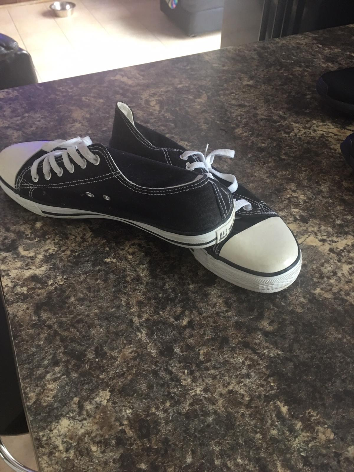 Men's pumps size12 but really size 10 worn once