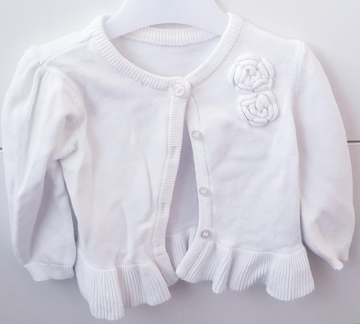 These baby clothes are pre owned and some never been worn . You got options to choose and price of the chosen one can be given .(£5-10) the sizes ranges from 0-18months Buyers pays for the postage