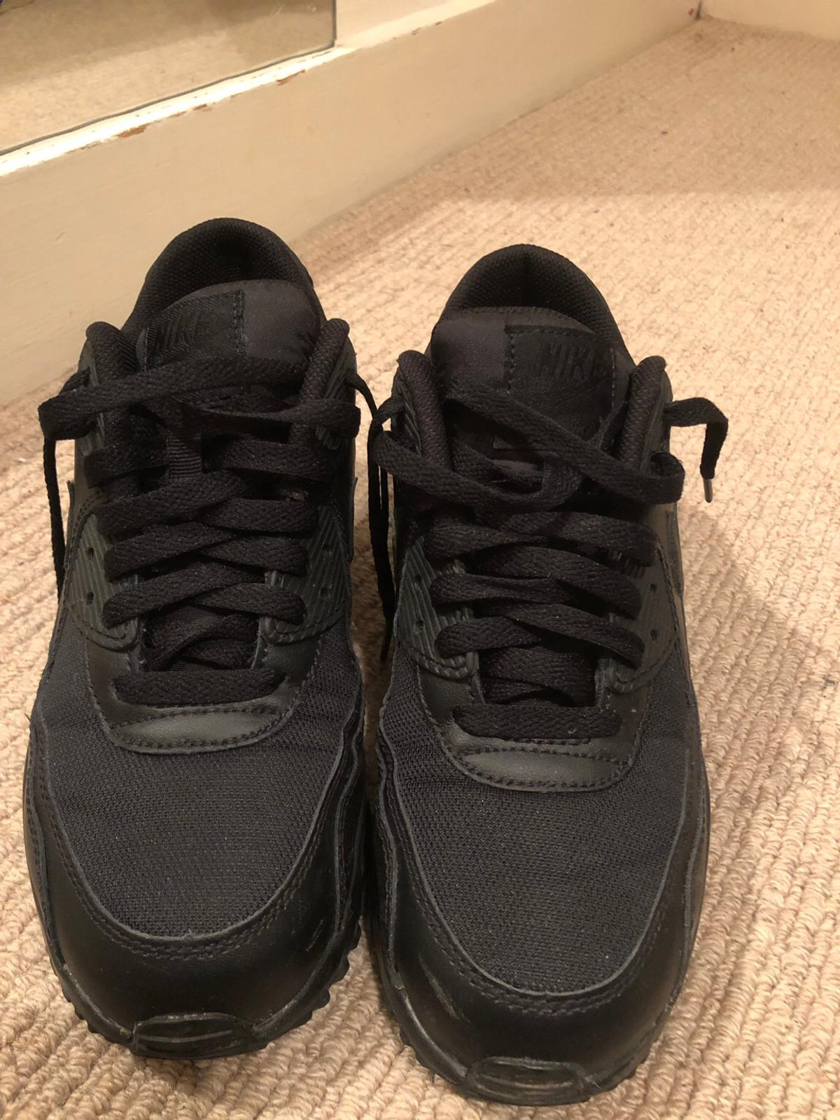 Very good condition. Barely worn. For collection / meet up only please Junior / woman's Size UK 5.5