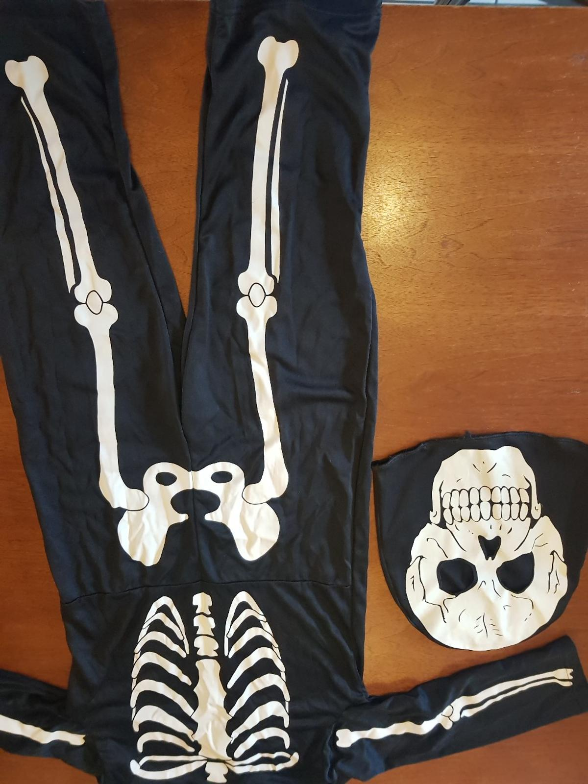 skeleton suit and mask age 5-6 yrs