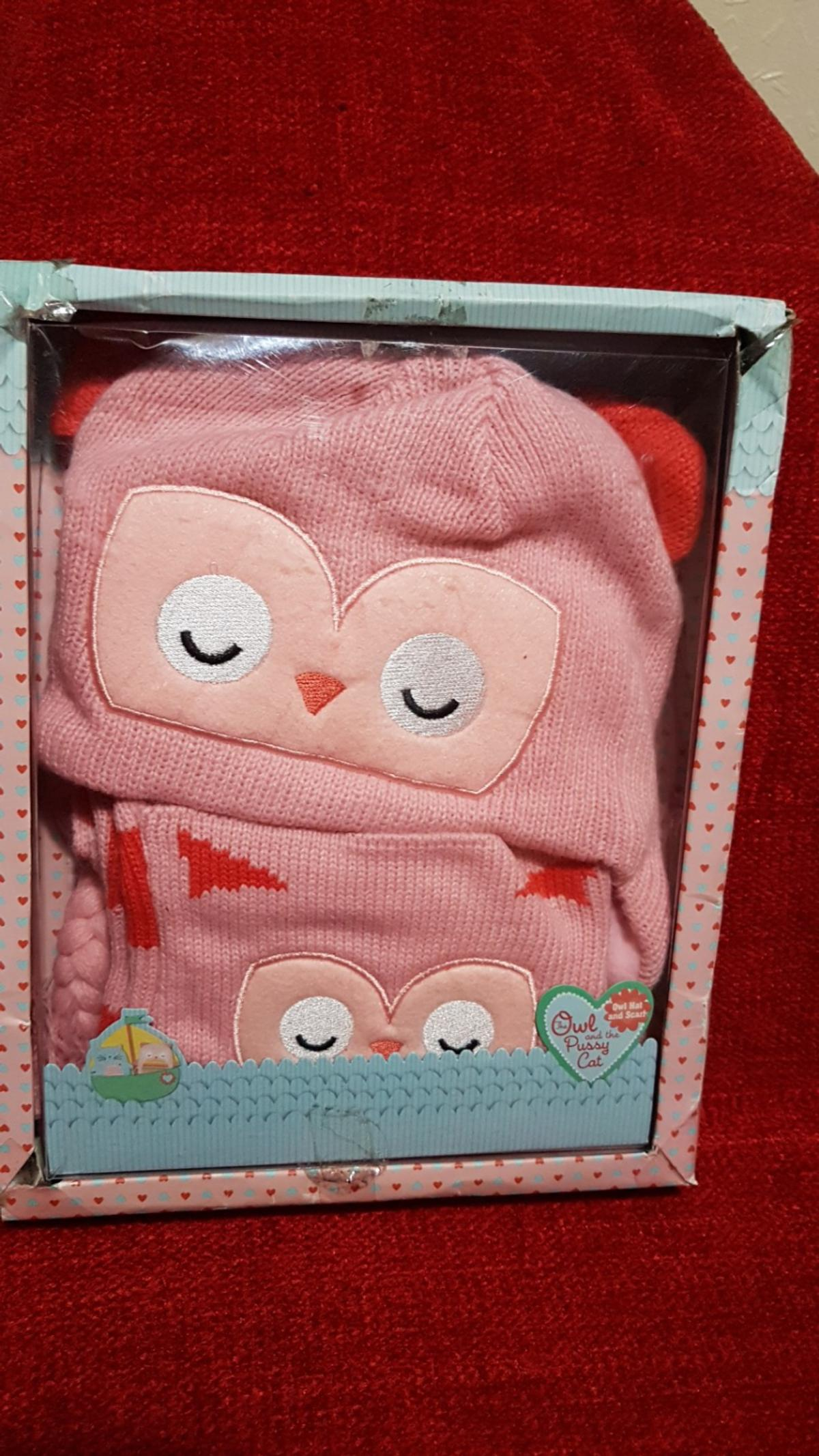 the owl and the pussy cat hat and scarf set in box. NEW